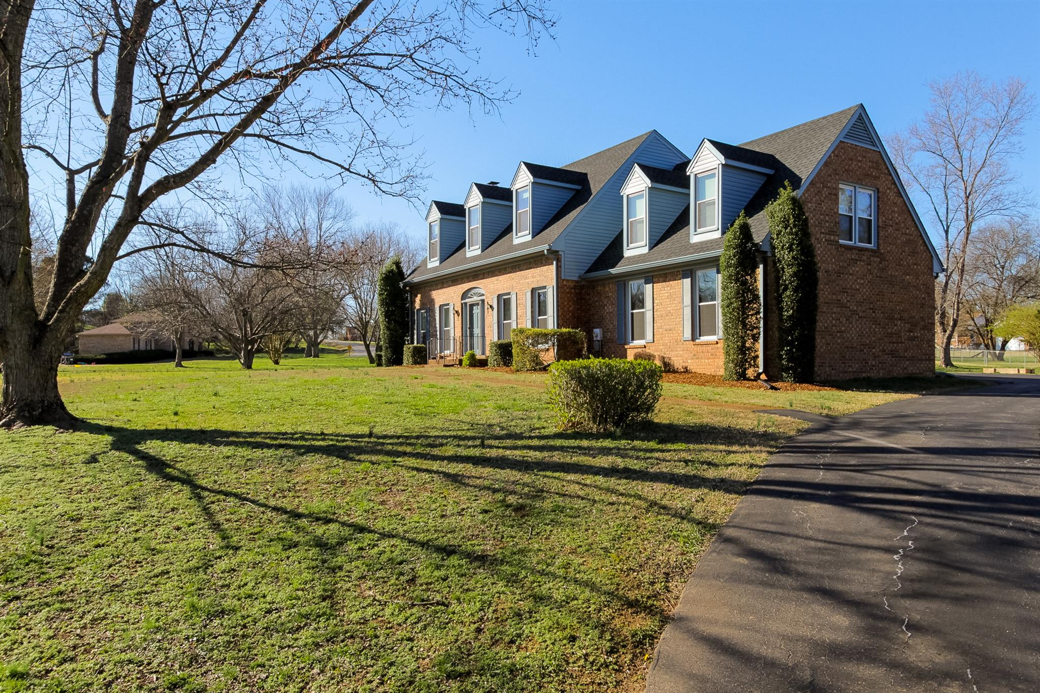 1806 Longview Dr, Mount Juliet, TN 37122