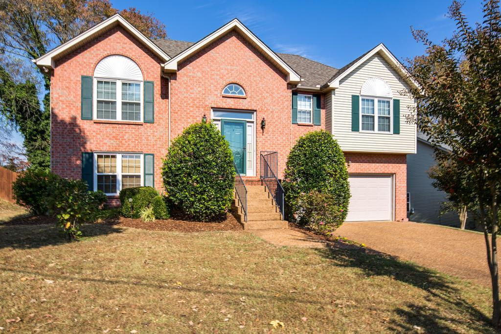 Photo of 3204 W YORKSHIRE COURT  Old Hickory  TN