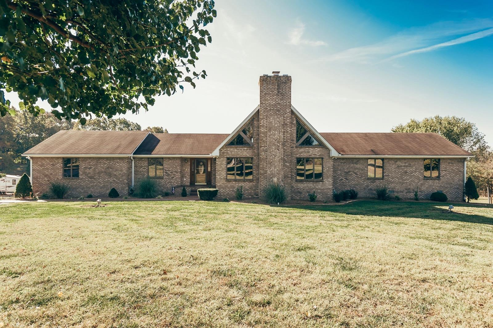 5223 Stacy Springs Rd, Springfield, TN 37172