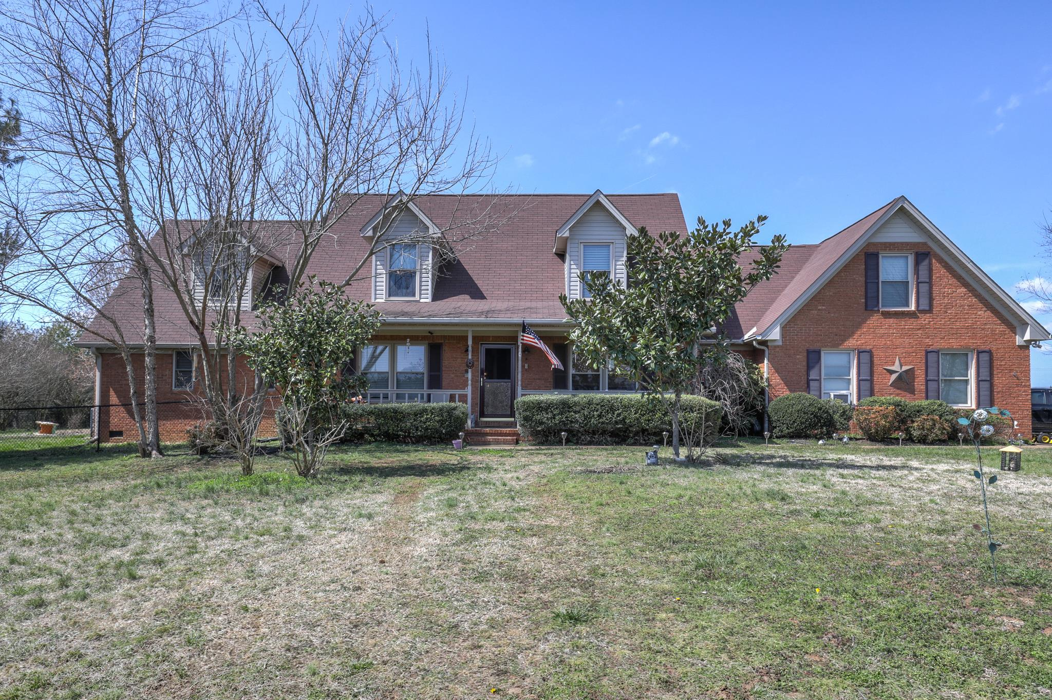 2520 Zion Rd, Columbia, TN 38401