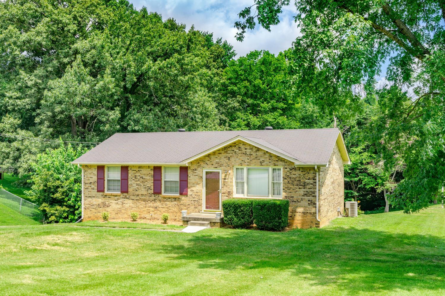 Photo of 2192 Blakemore Dr  Clarksville  TN