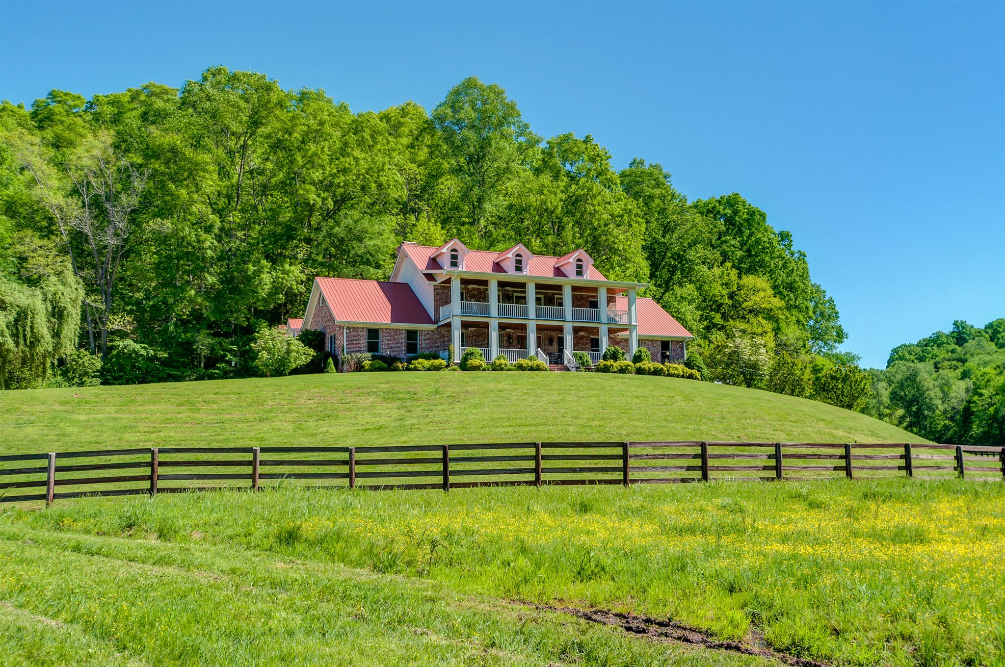 6677 Leipers Creek Rd, Columbia, Tennessee