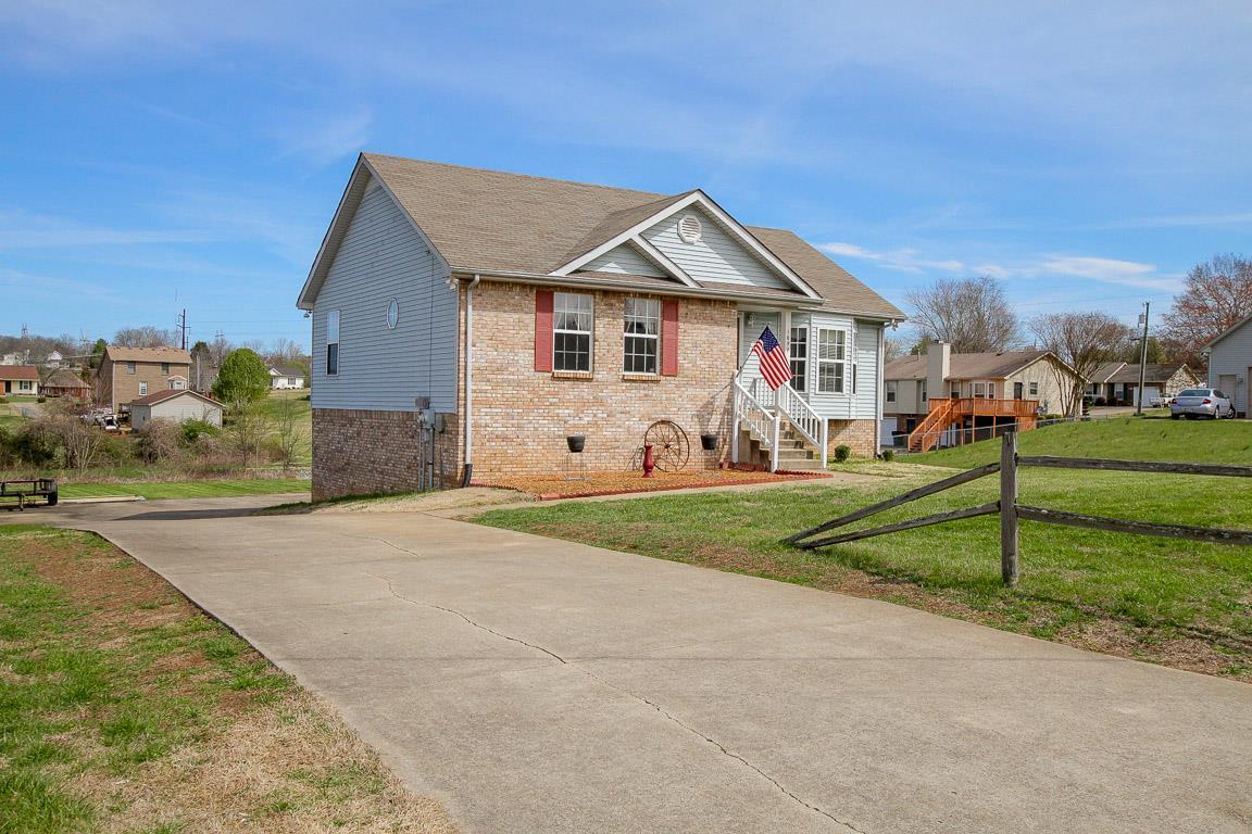 1097 River Ter, Clarksville, TN 37043