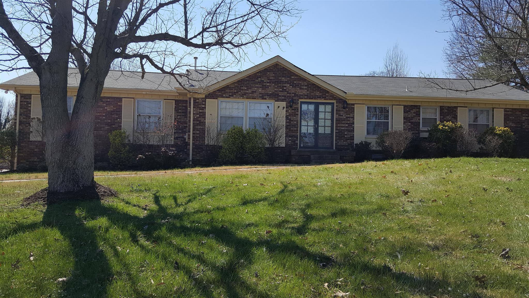 Photo of 102 Wilmington Court  Hendersonville  TN