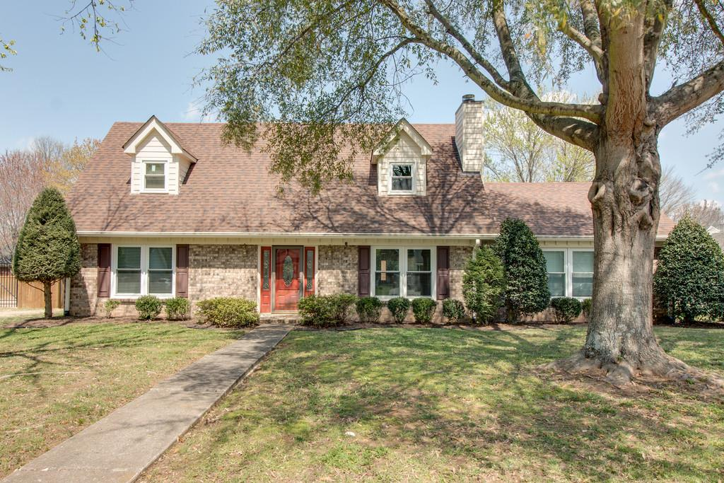 Photo of 1104 Hunters Chase Dr  Franklin  TN