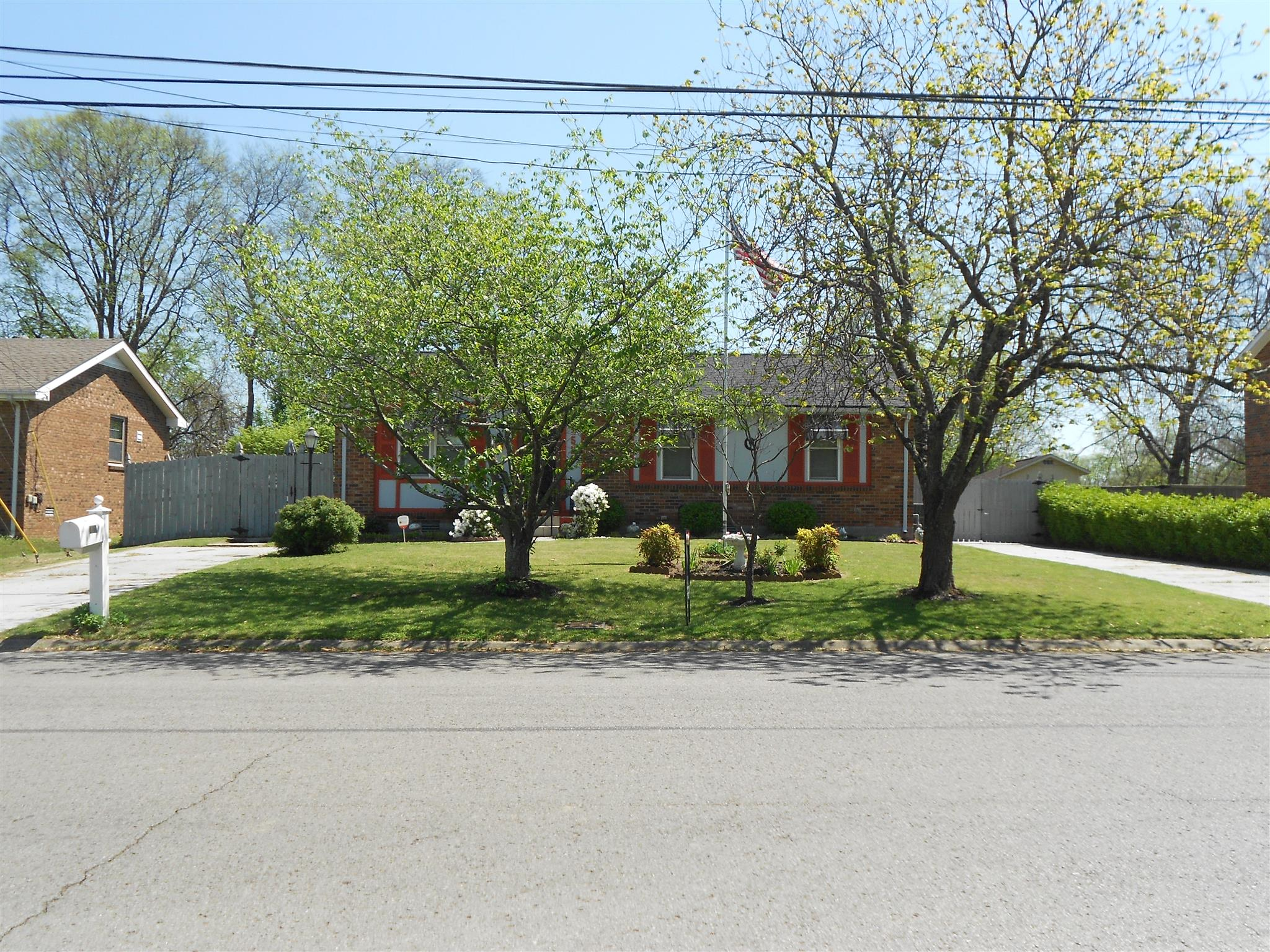 Photo of 3520 Donna Kay Dr  Antioch  TN