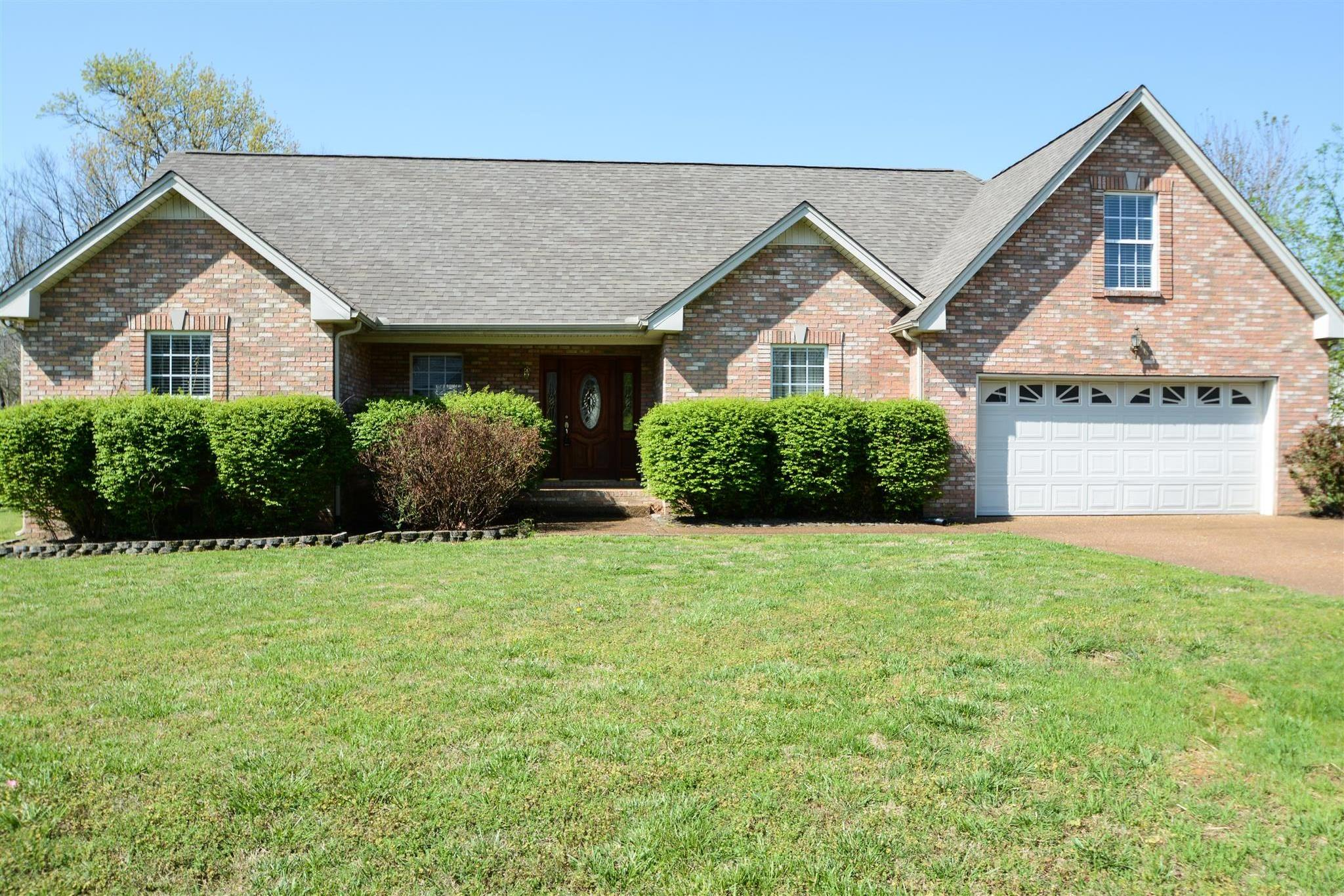 Photo of 6005 Forrest Ct  Greenbrier  TN