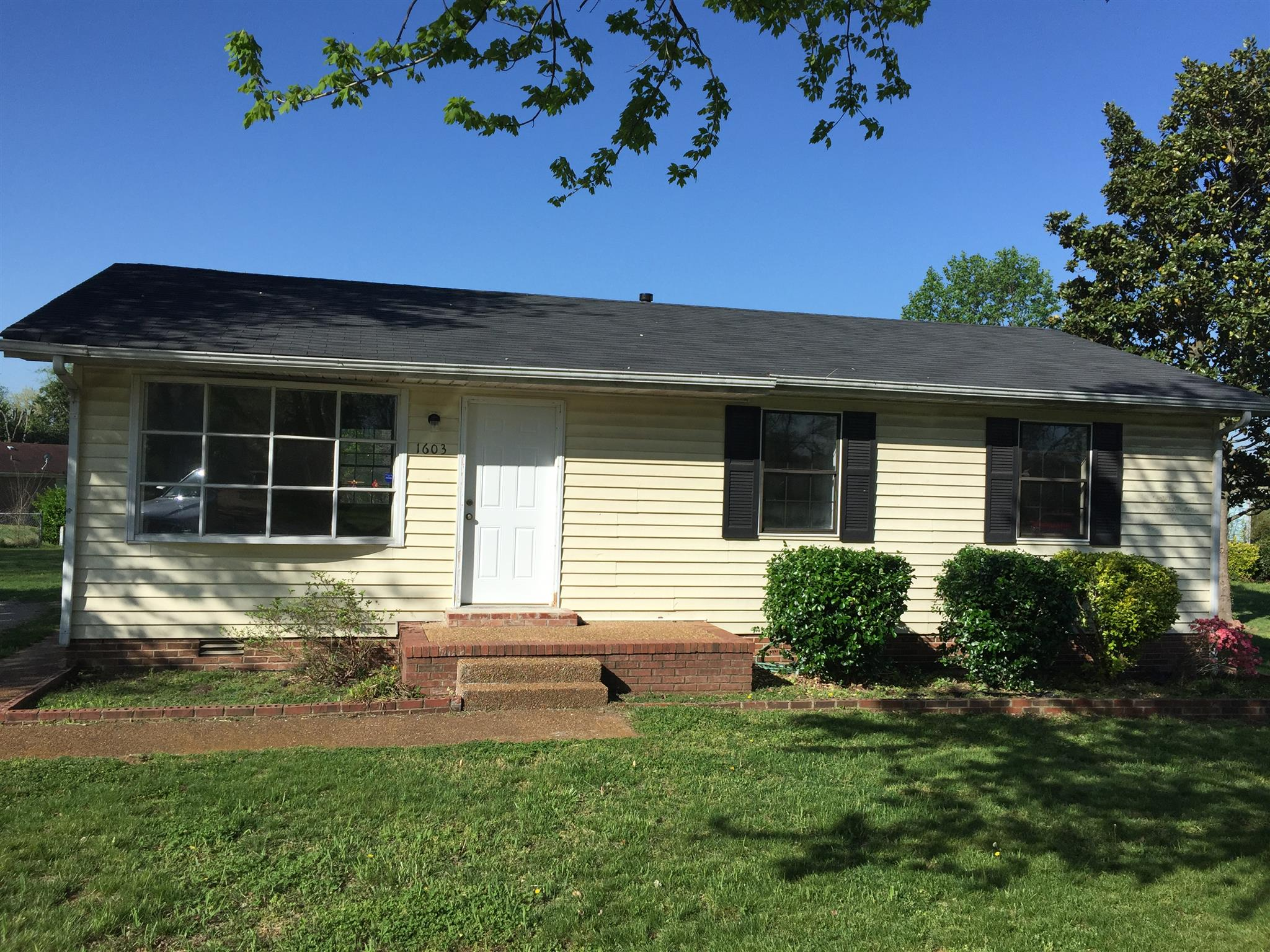 Photo of 1603 Lindsey Dr  Columbia  TN