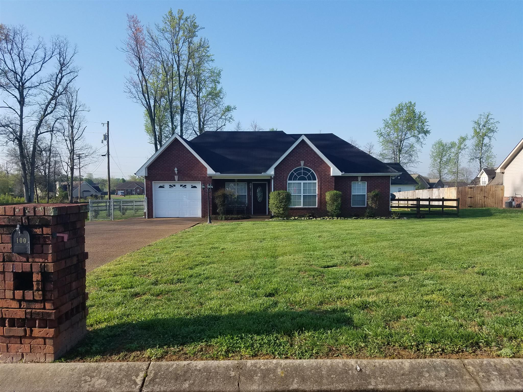 Photo of 100 Gentry Dr  Portland  TN