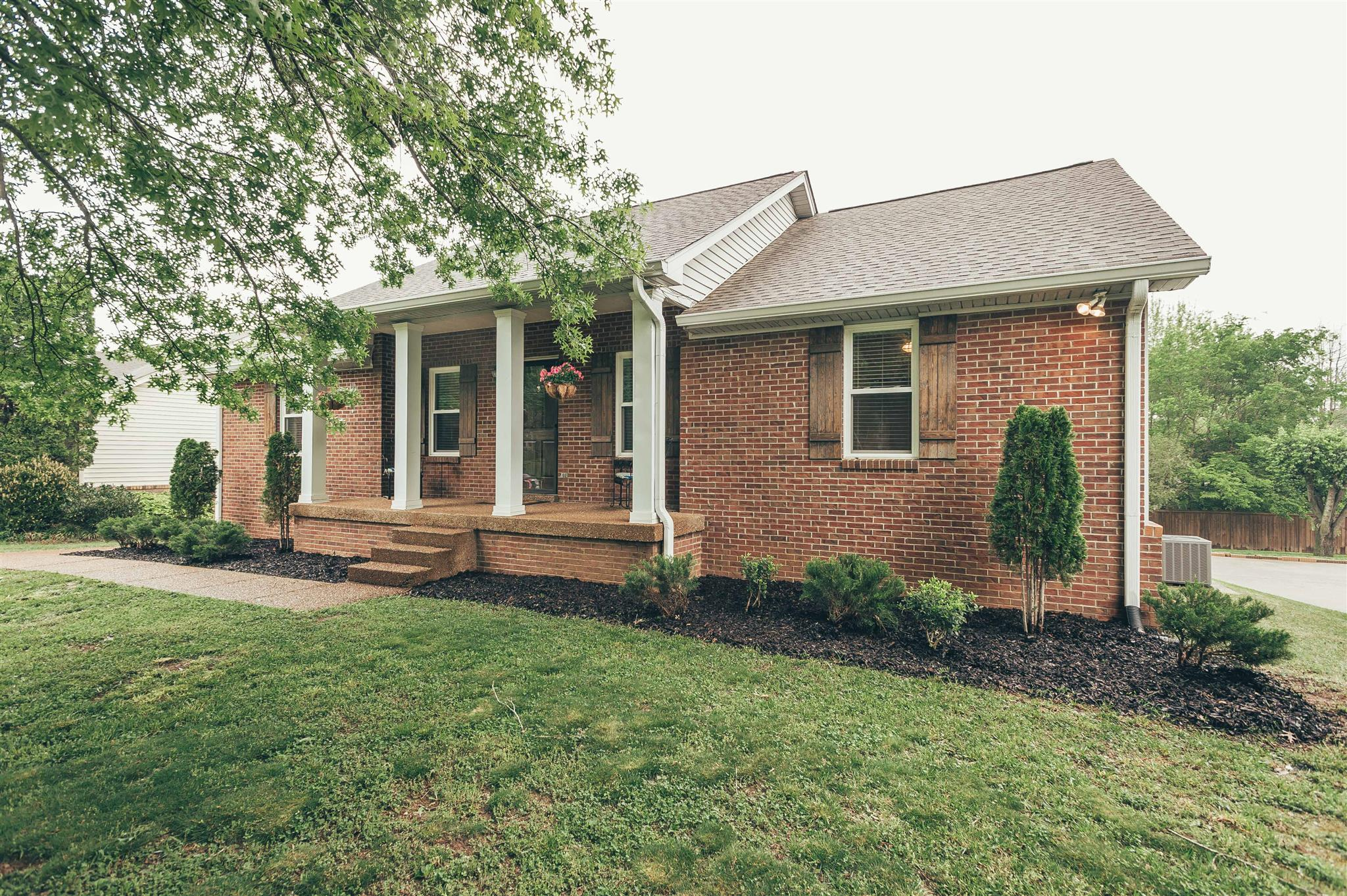 Photo of 1152 Hunters Chase Dr  Franklin  TN