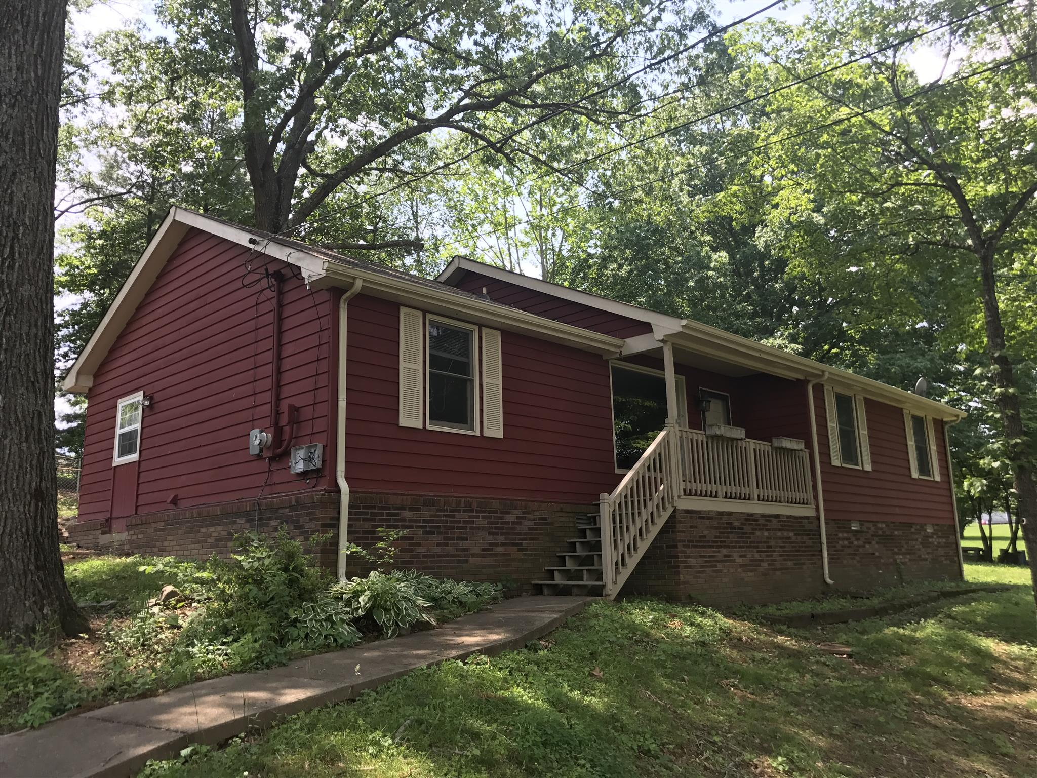 Photo of 566 Briarwood Dr  Clarksville  TN
