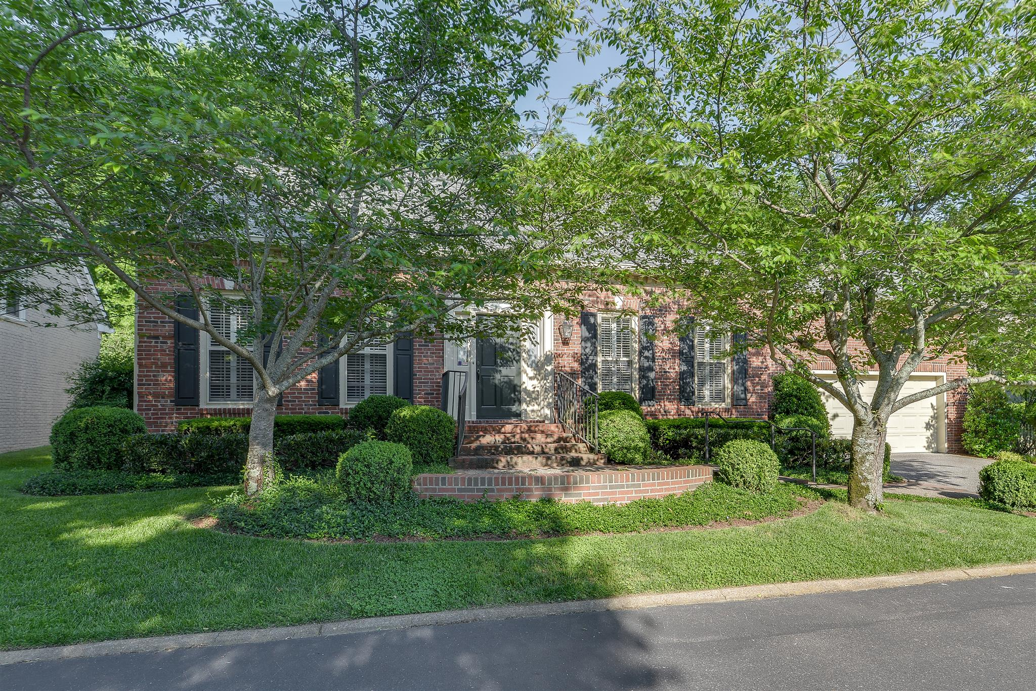 Photo of 102 Wellington Park Ct  Nashville  TN