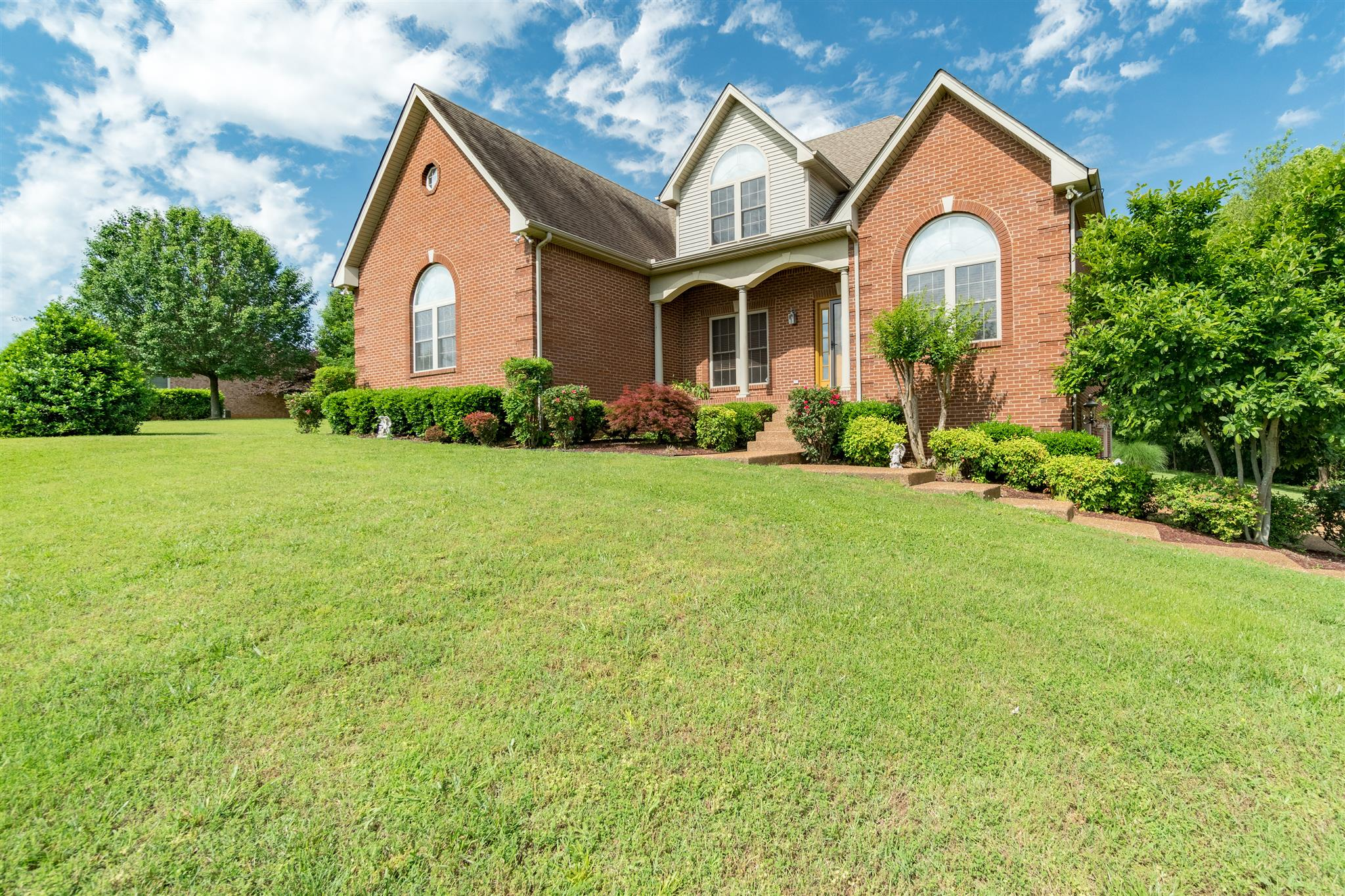 Photo of 1046 Glover Hills Dr  Springfield  TN