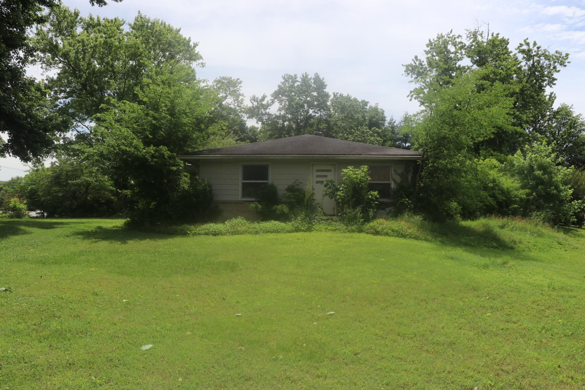 Photo of 910 Robinson Rd  Old Hickory  TN