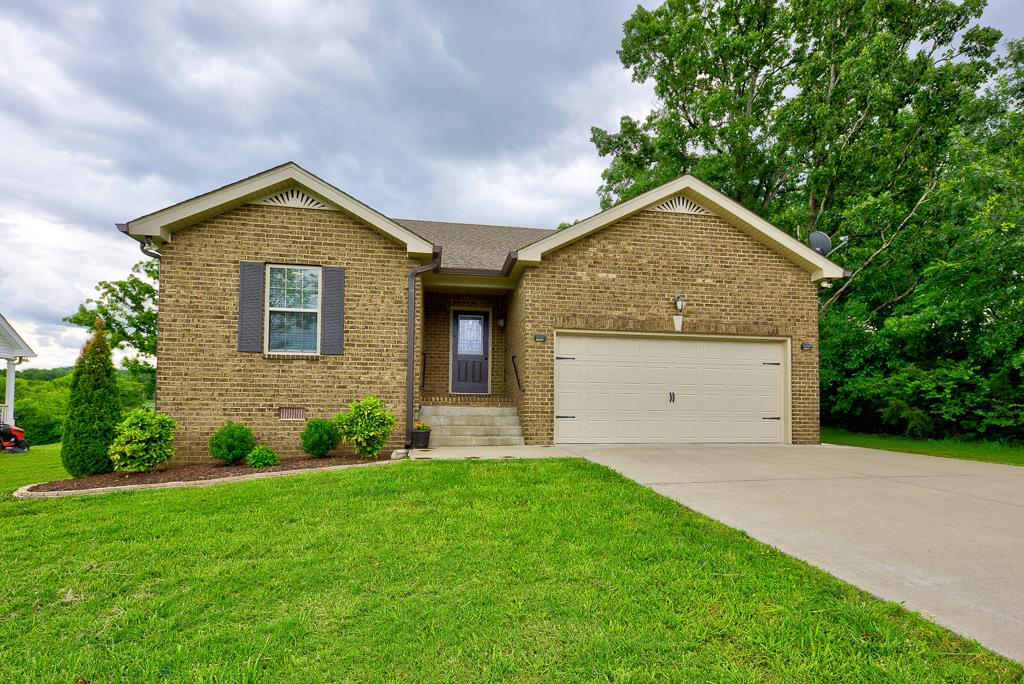 Photo of 207 Bonnie Oak Drive  Lebanon  TN