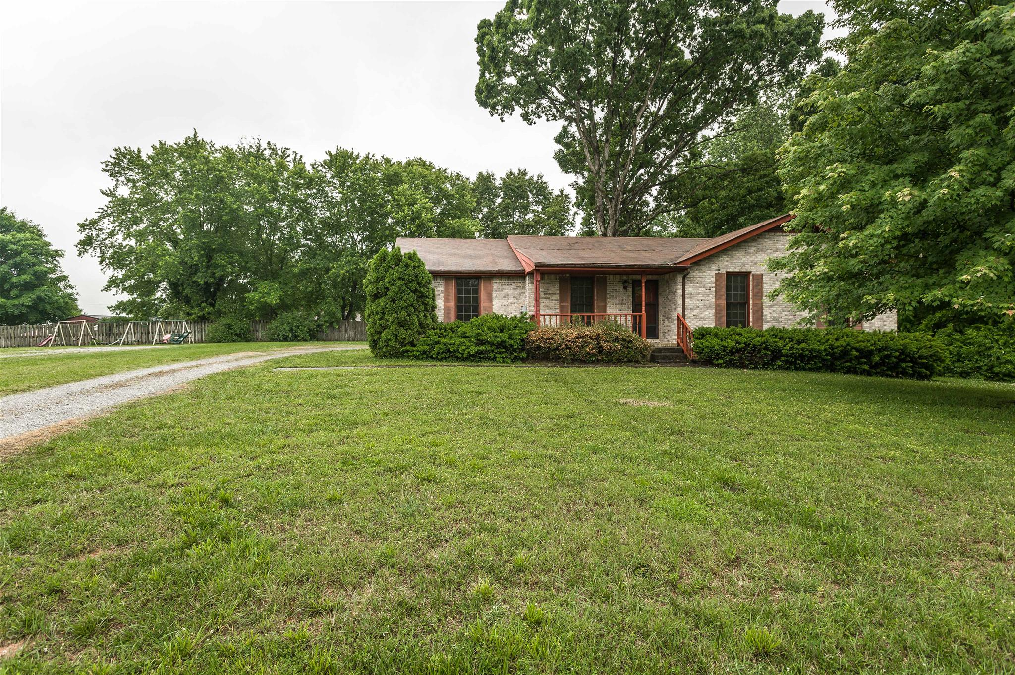 Photo of 2912 Walnut Grove Rd  Springfield  TN