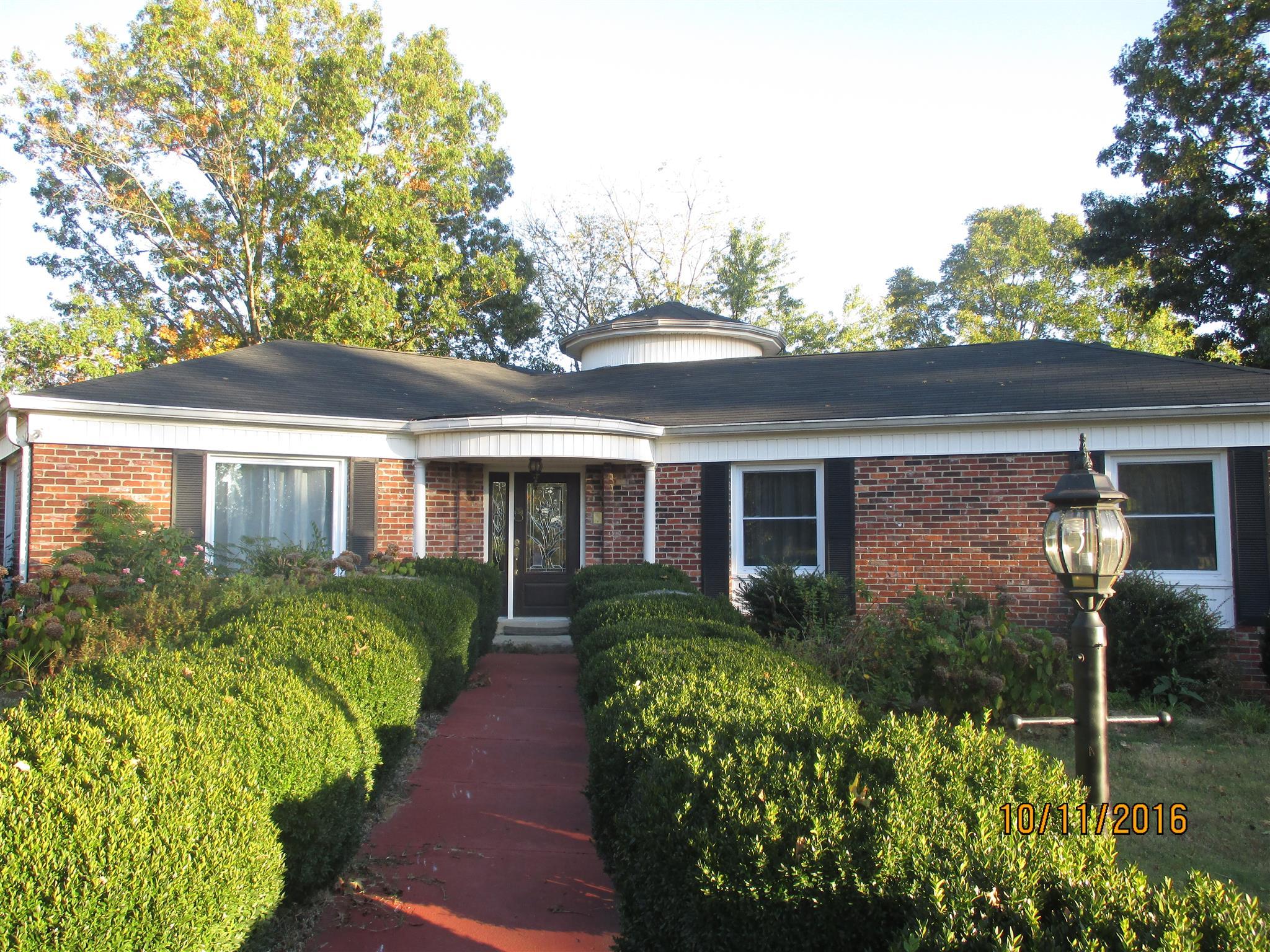 Photo of 1135 E Jefferson St  Pulaski  TN