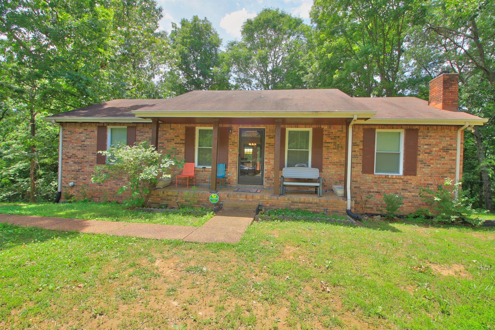 Photo of 1328 Winding Way Dr  White House  TN