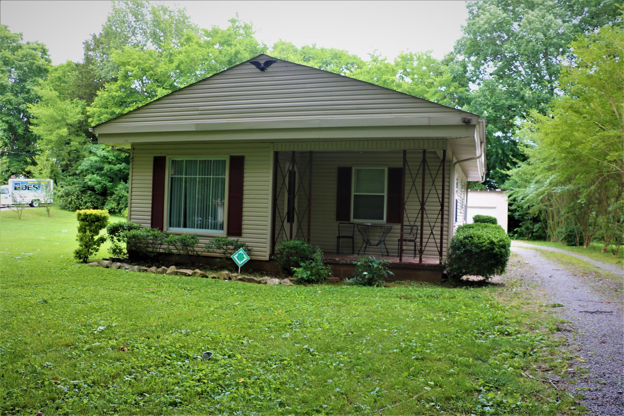 Photo of 401 Hietts Ln  Clarksville  TN