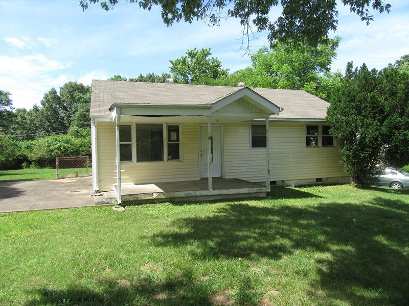 Photo of 2034 Laura Dr  Clarksville  TN