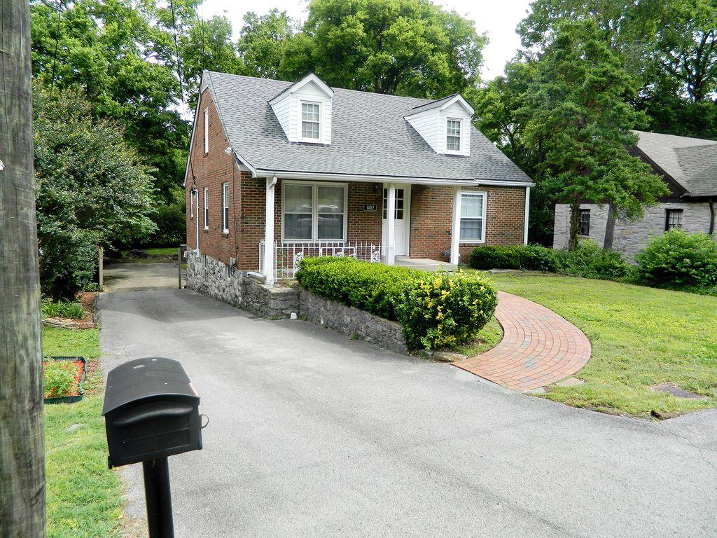 Photo of 1402 Grandview Dr  Nashville  TN