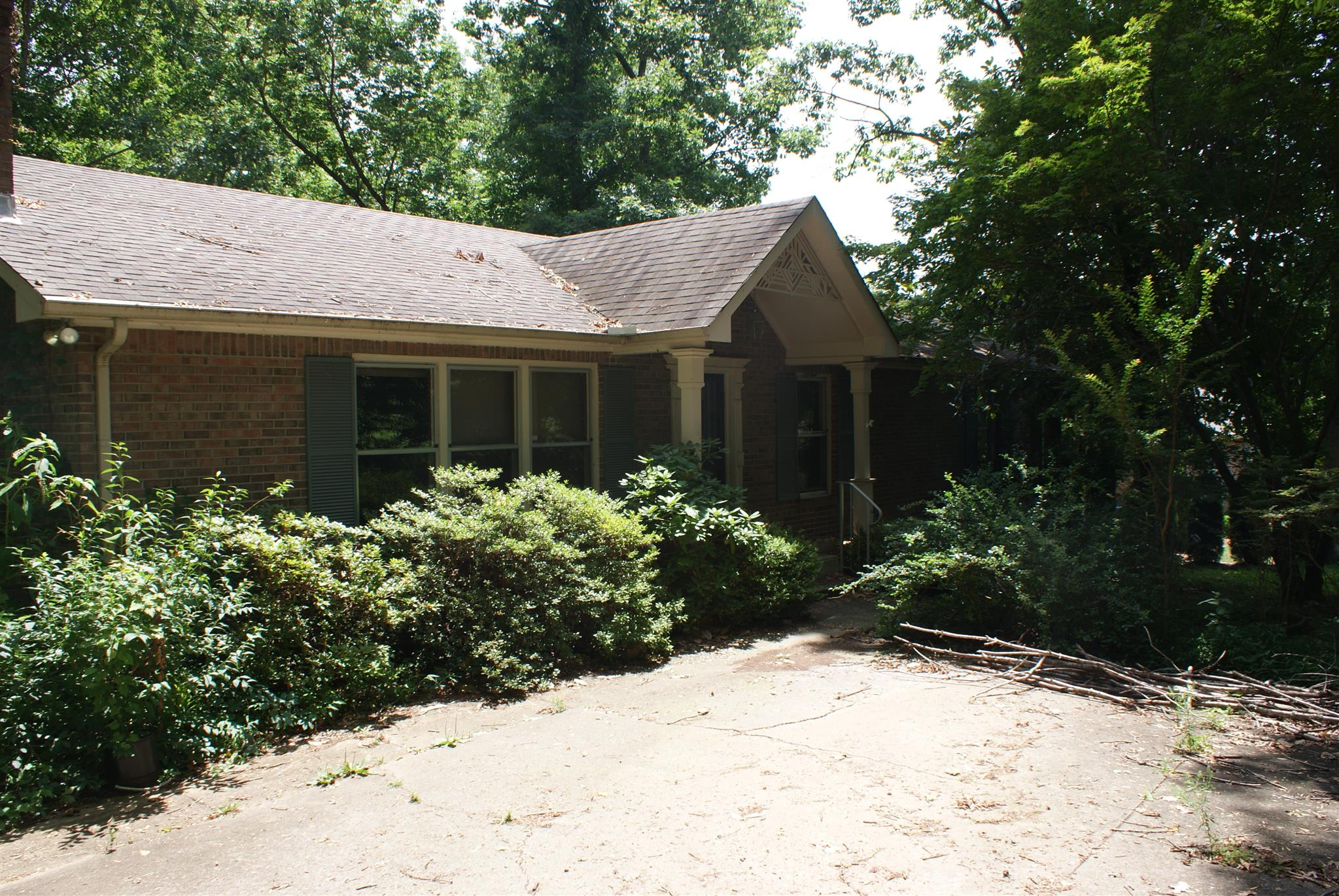 Photo of 423 Rivermont Dr  Clarksville  TN