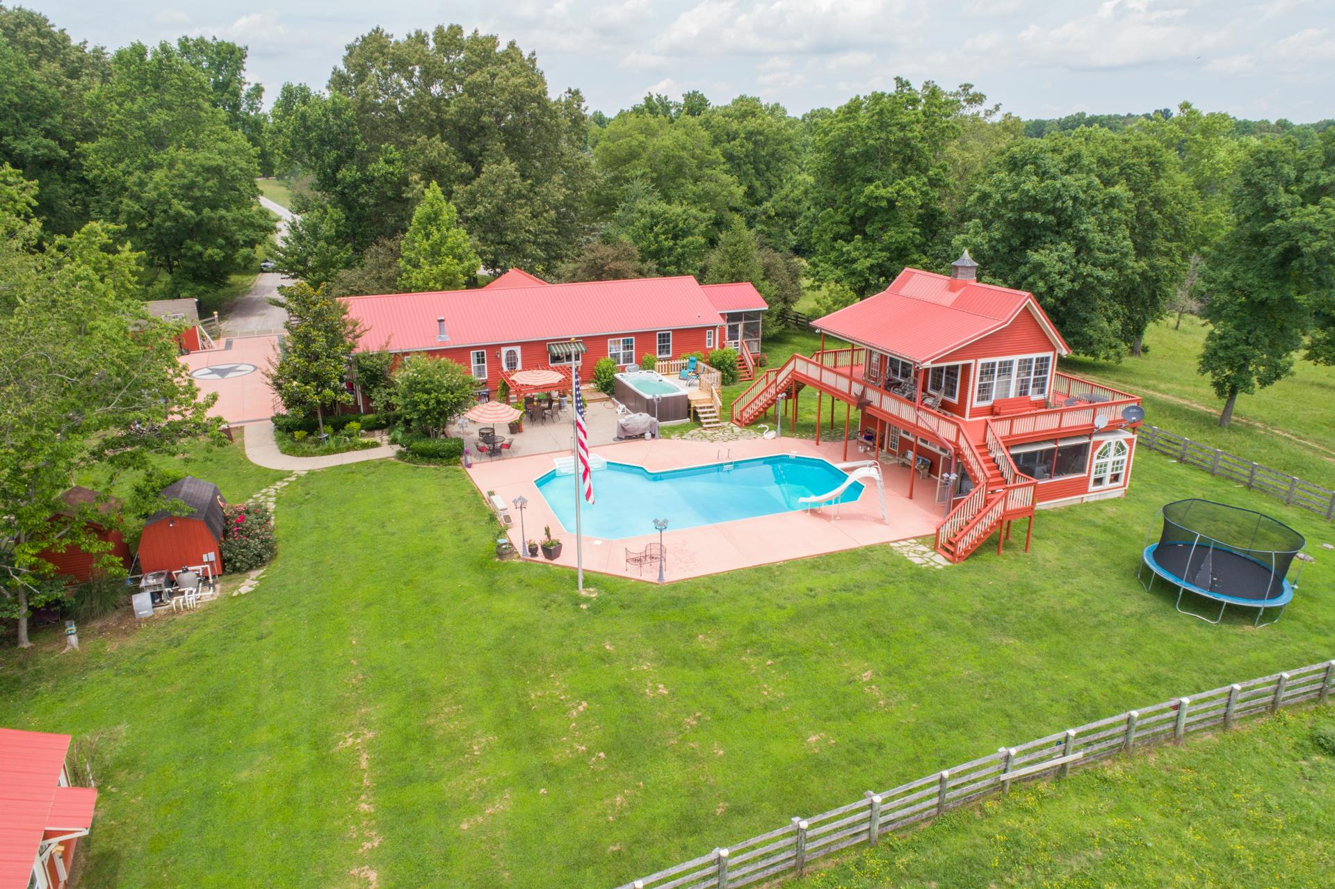 Photo of 1734 McMahan Hollow Rd  Pleasant View  TN