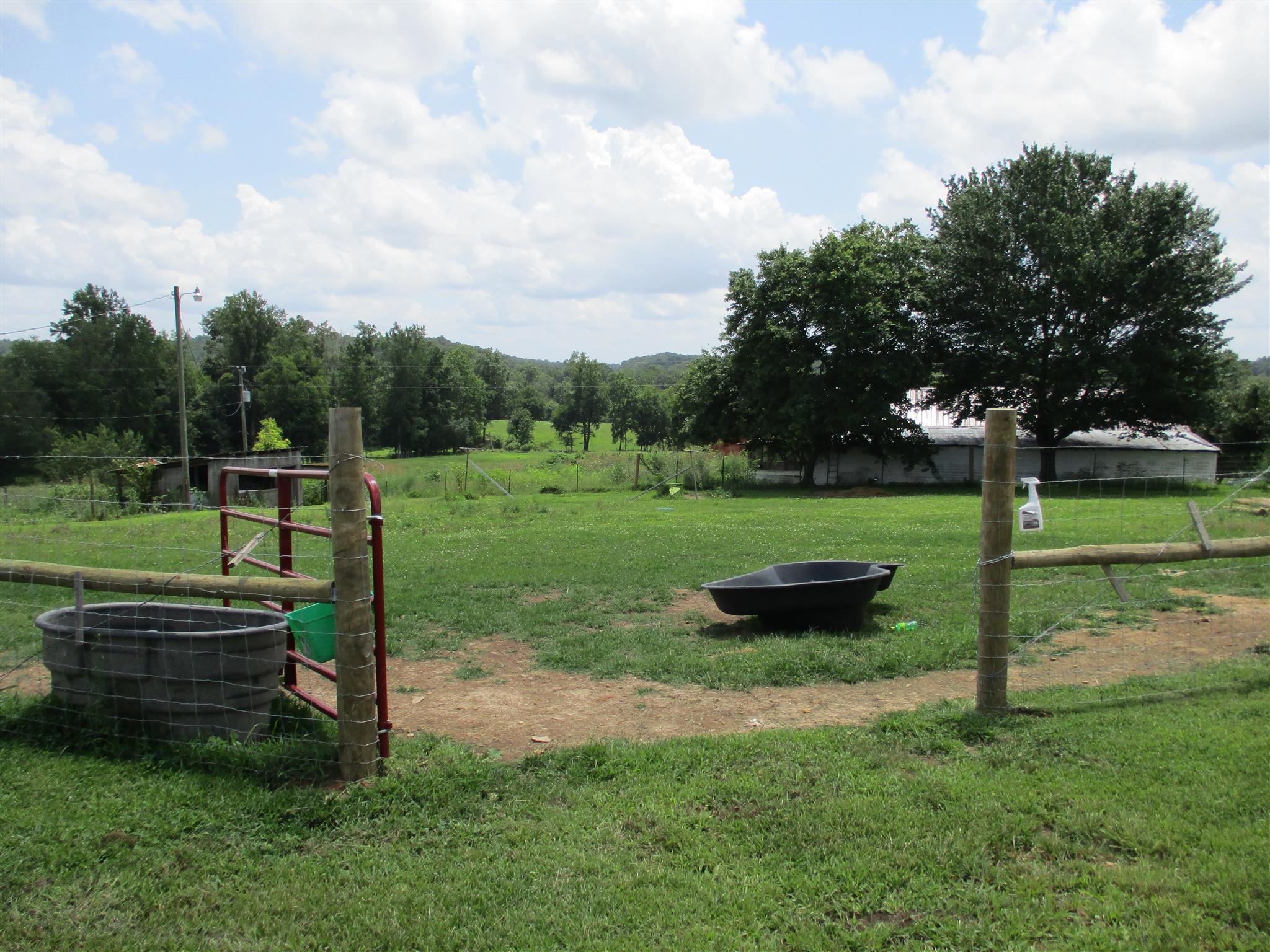 Photo of 128 Pleasant Garden Rd  Summertown  TN