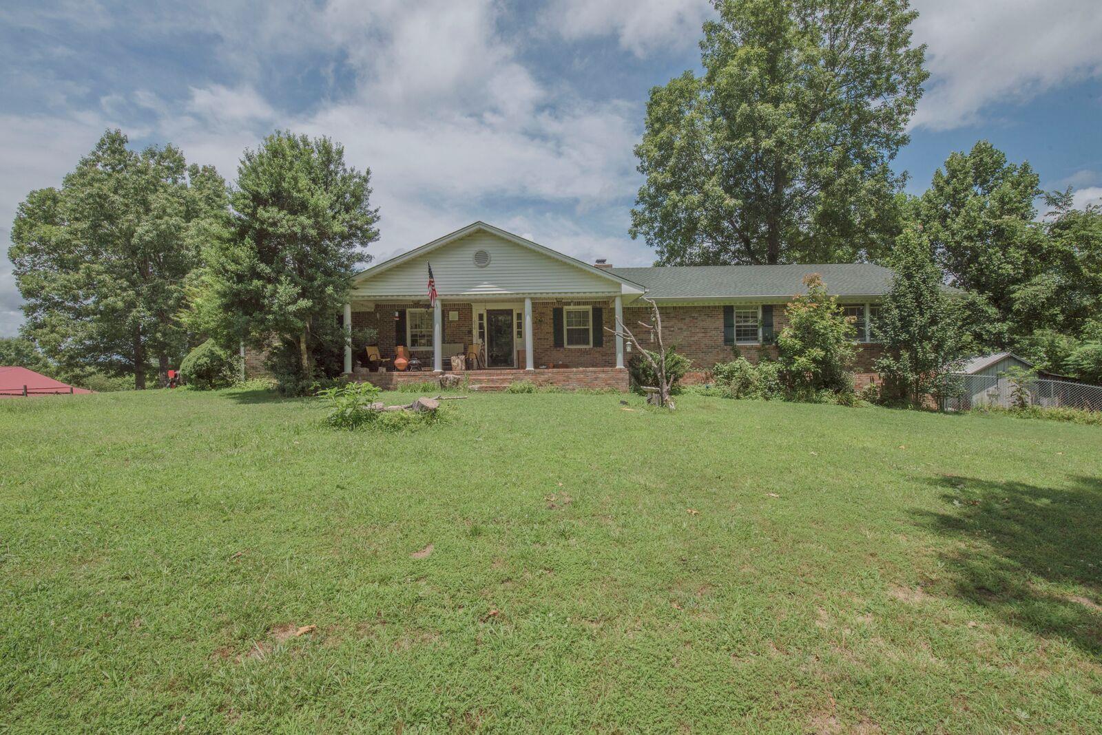 Photo of 1090 Ridgecrest Dr  Kingston Springs  TN