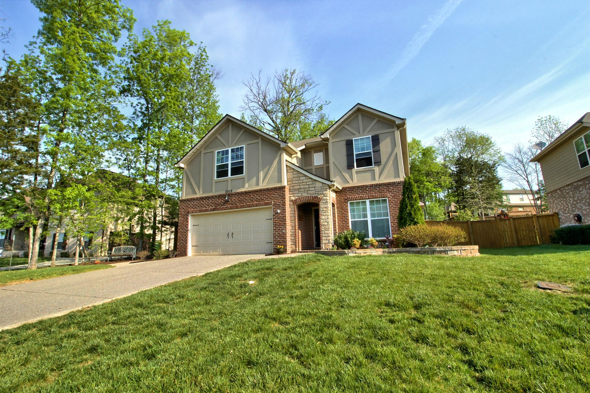 Photo of 5512 Stonefield Dr  Smyrna  TN
