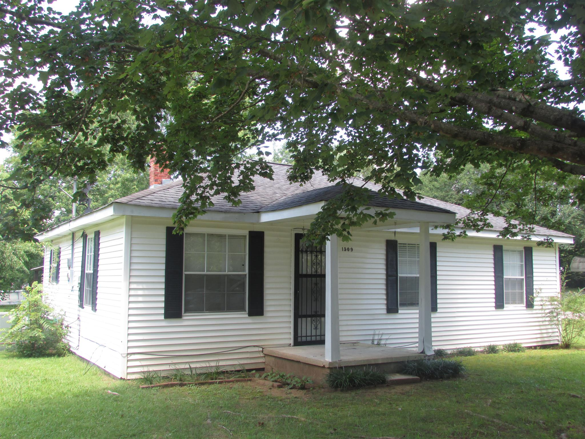Photo of 1509 Beckham Ave N  Lawrenceburg  TN