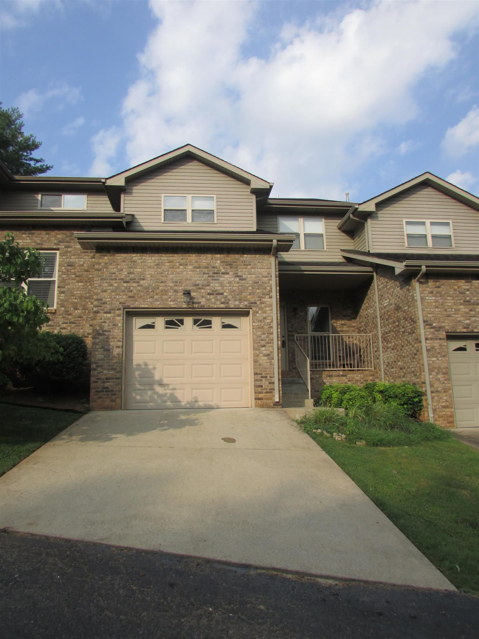 Photo of 426 Country Club Ct  Clarksville  TN