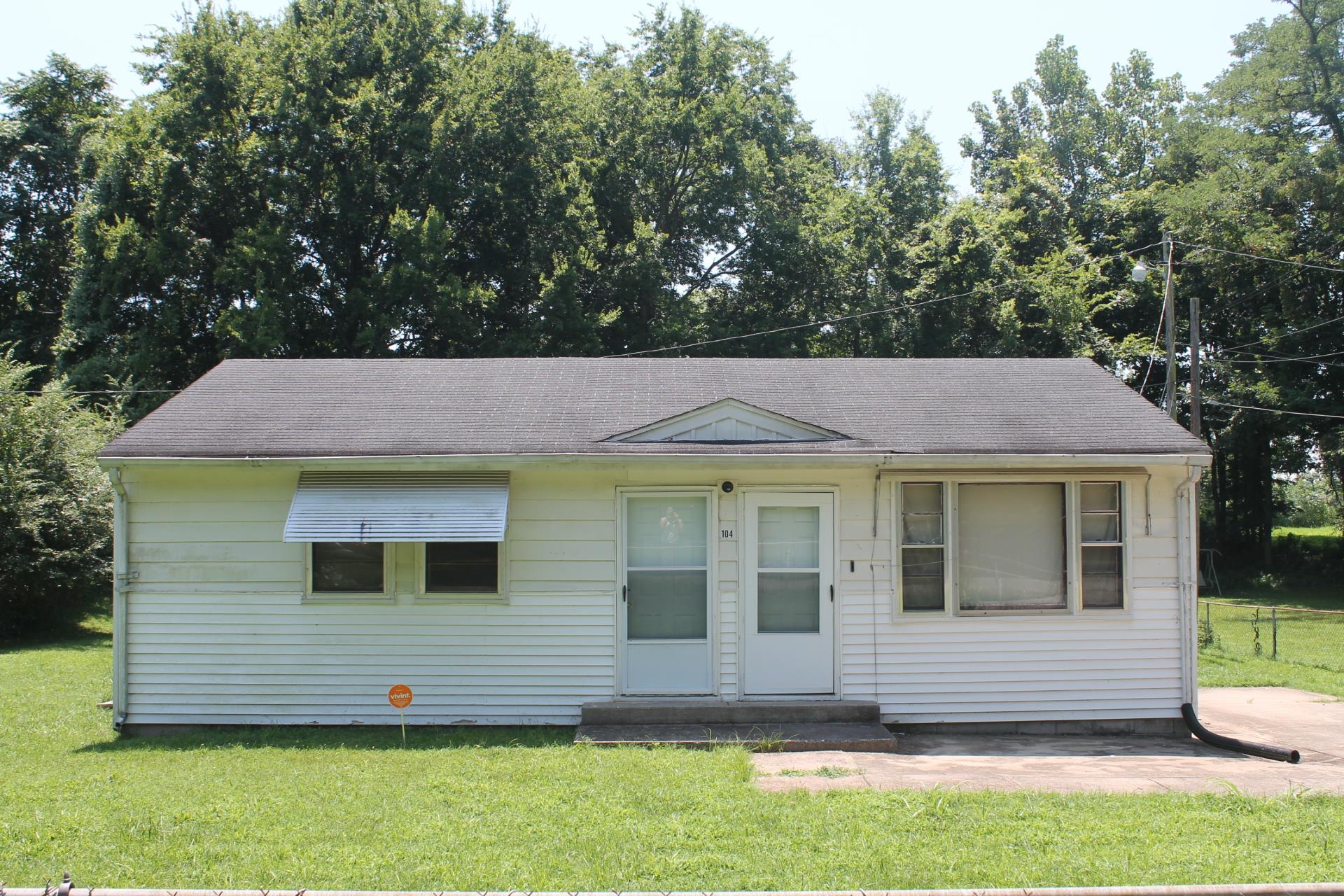 Photo of 104 Beech St  Clarksville  TN