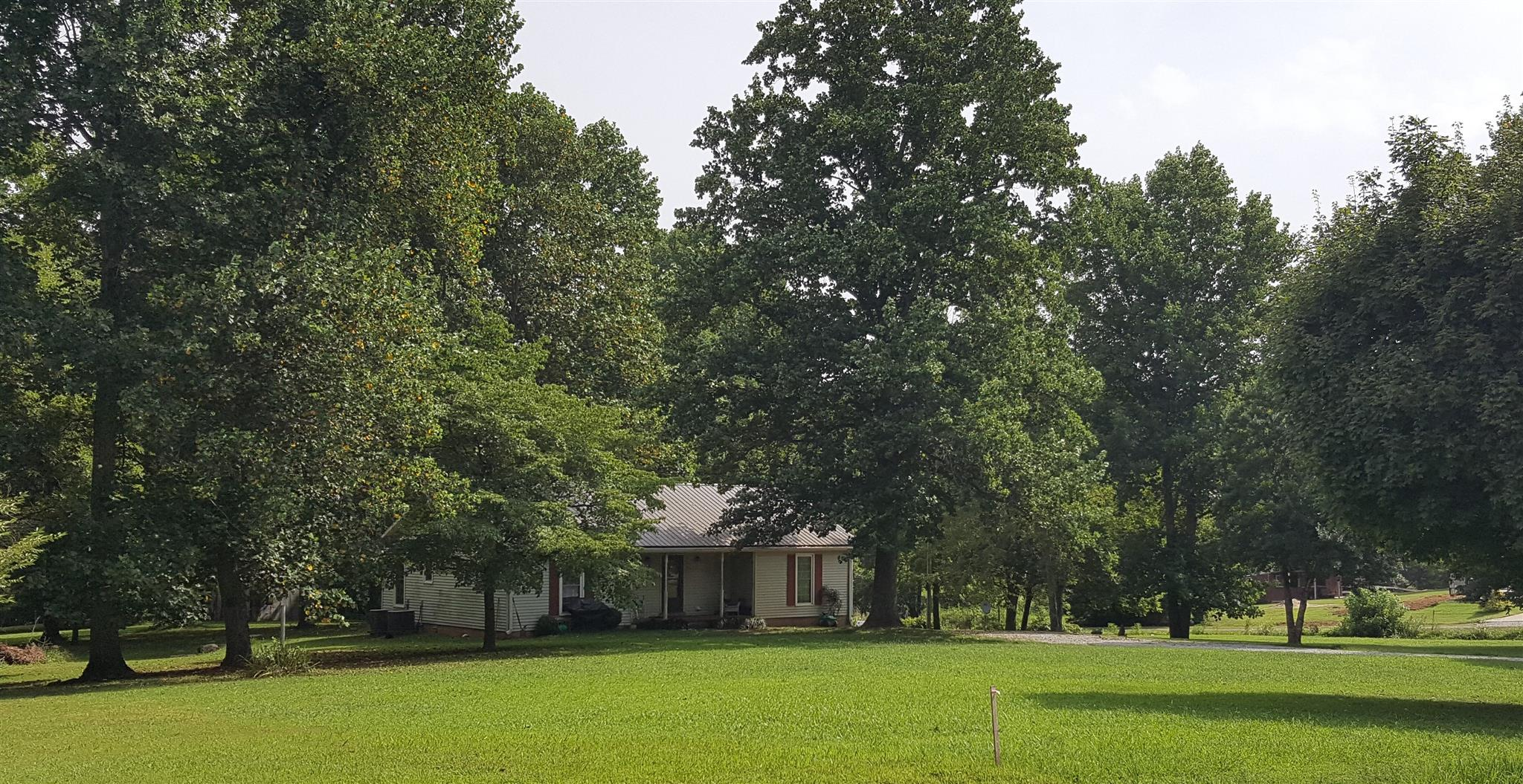 Photo of 204 Link Rd  Cottontown  TN