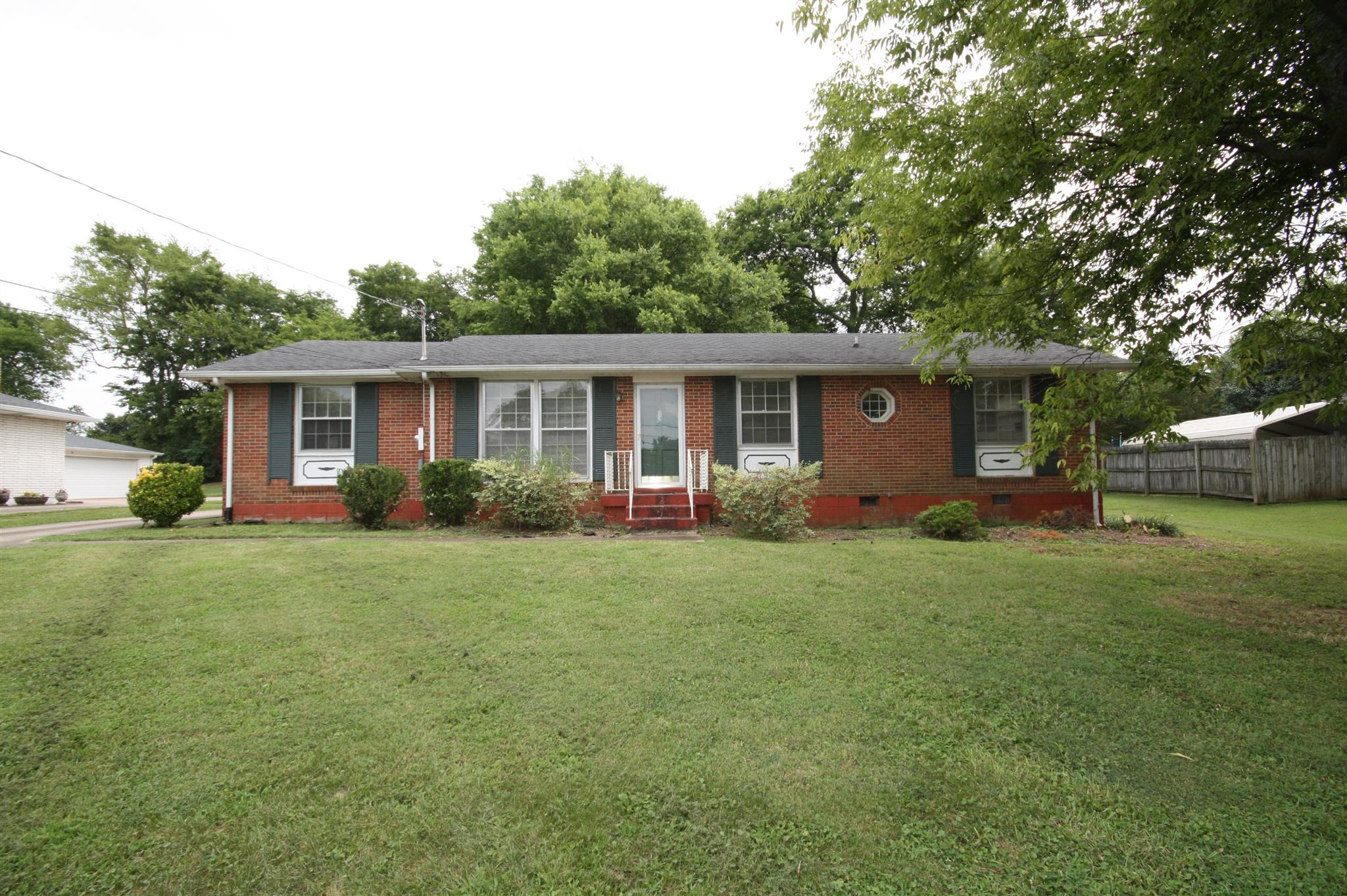 Photo of 152 Wessington Place  Hendersonville  TN