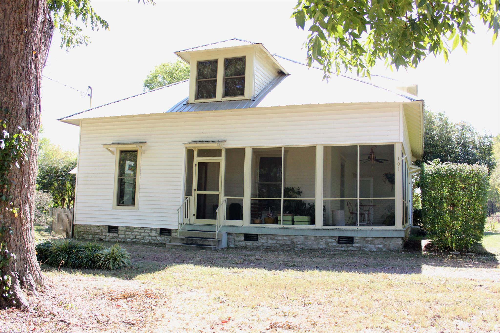 Photo of 101 Rowesville Rd  Normandy  TN