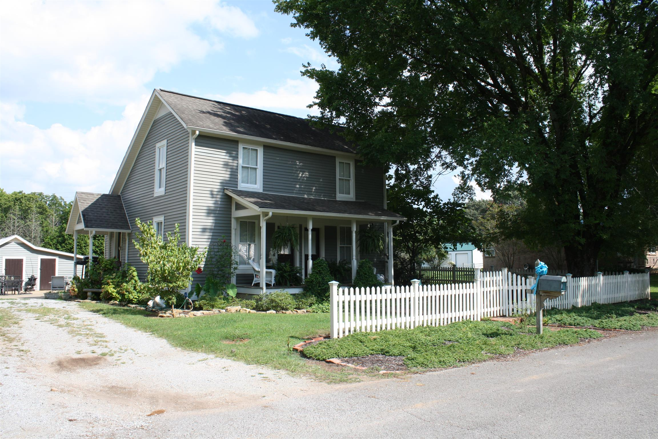 Photo of 112 3Rd Ave N  Loretto  TN