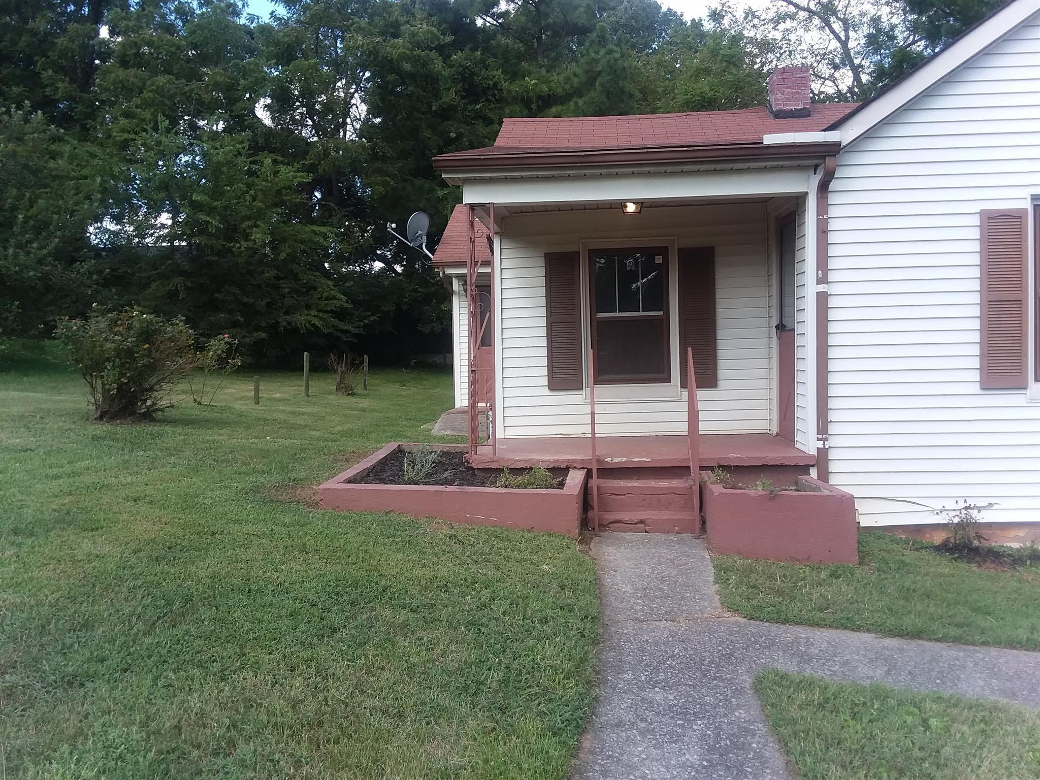 Photo of 403 N Mabel St  Springfield  TN