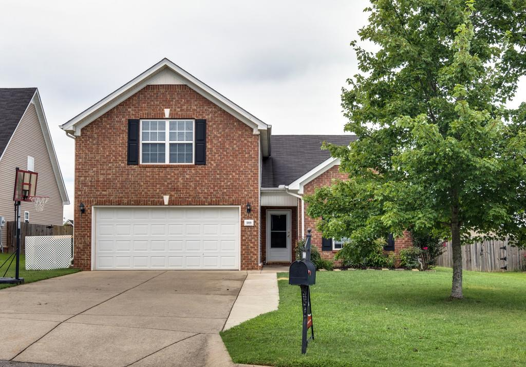 Photo of 1009 Longhunter Chase Dr  Spring Hill  TN