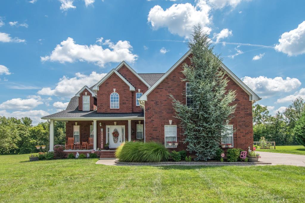 Photo of 1036 Carrs Creek Blvd  Greenbrier  TN