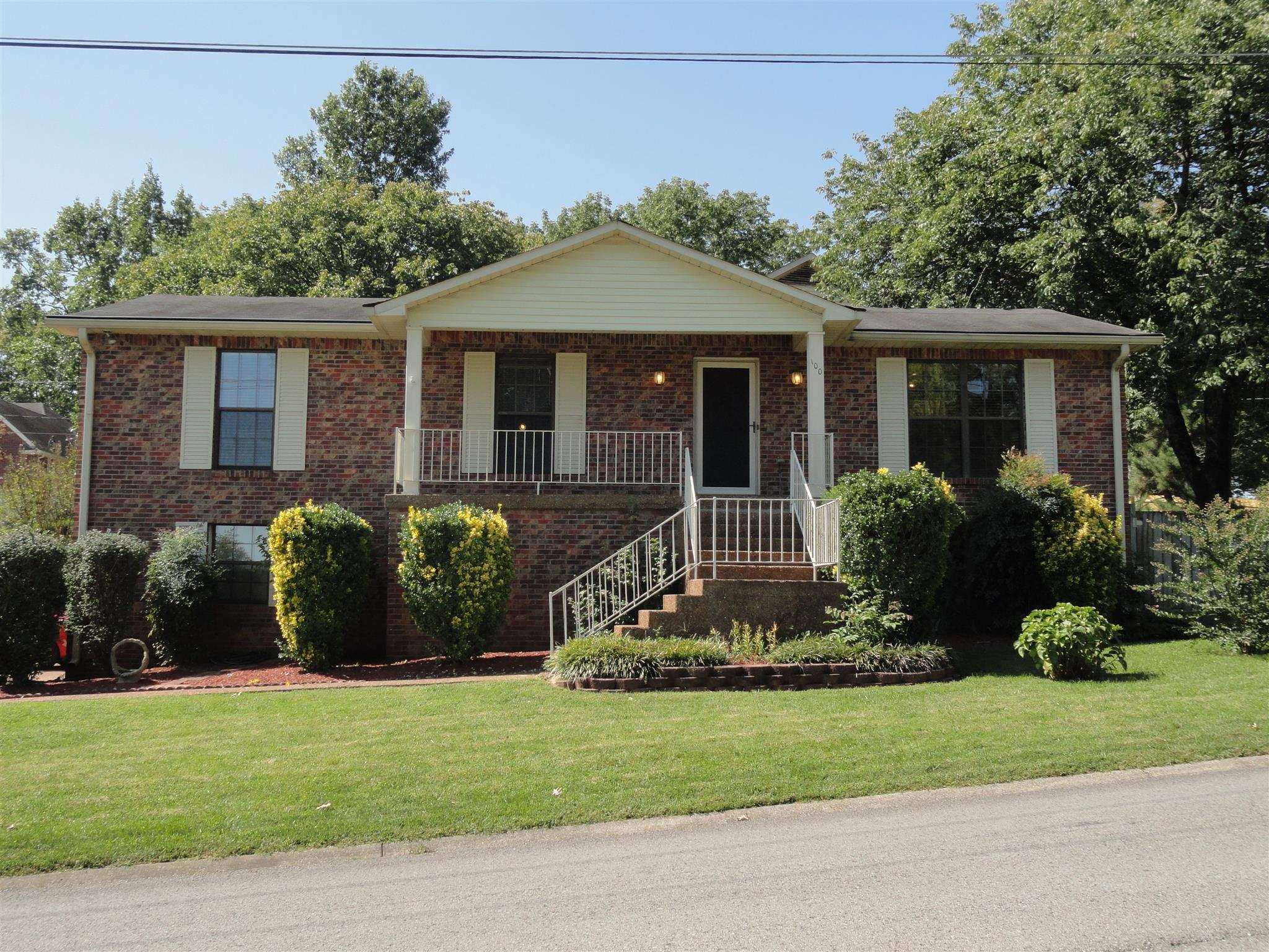 Photo of 100 Red Maple Ct  Hendersonville  TN