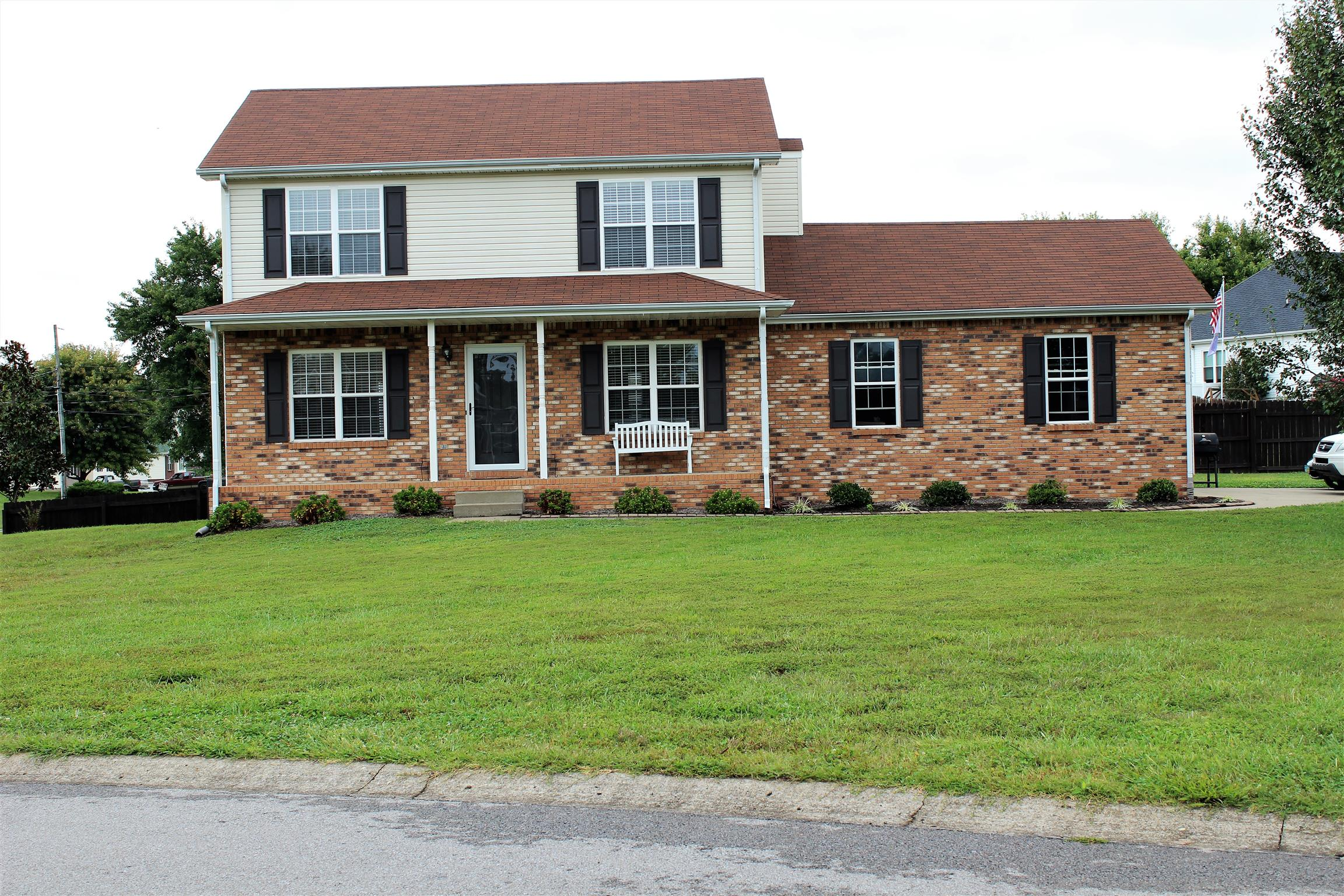 Photo of 1001 Venison Ln  Clarksville  TN
