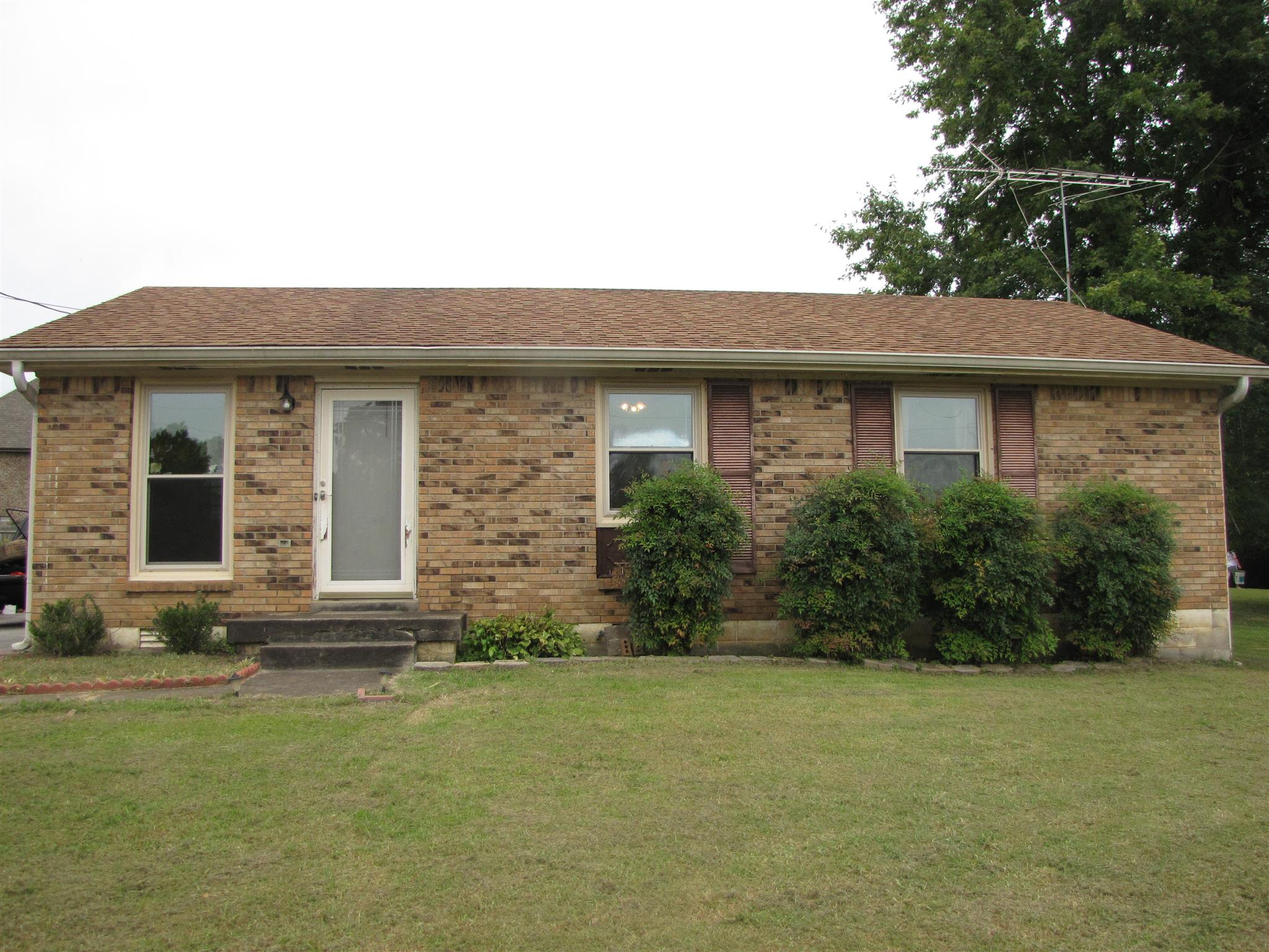 Photo of 1318 Shady Lawn Dr  Clarksville  TN