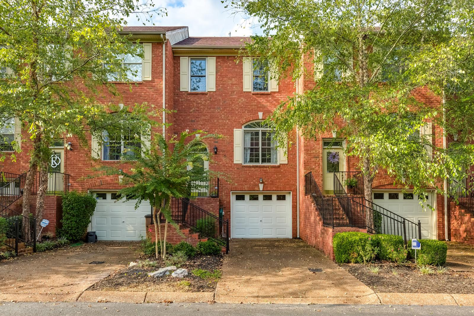 Photo of 123 Carriage Ct  Brentwood  TN