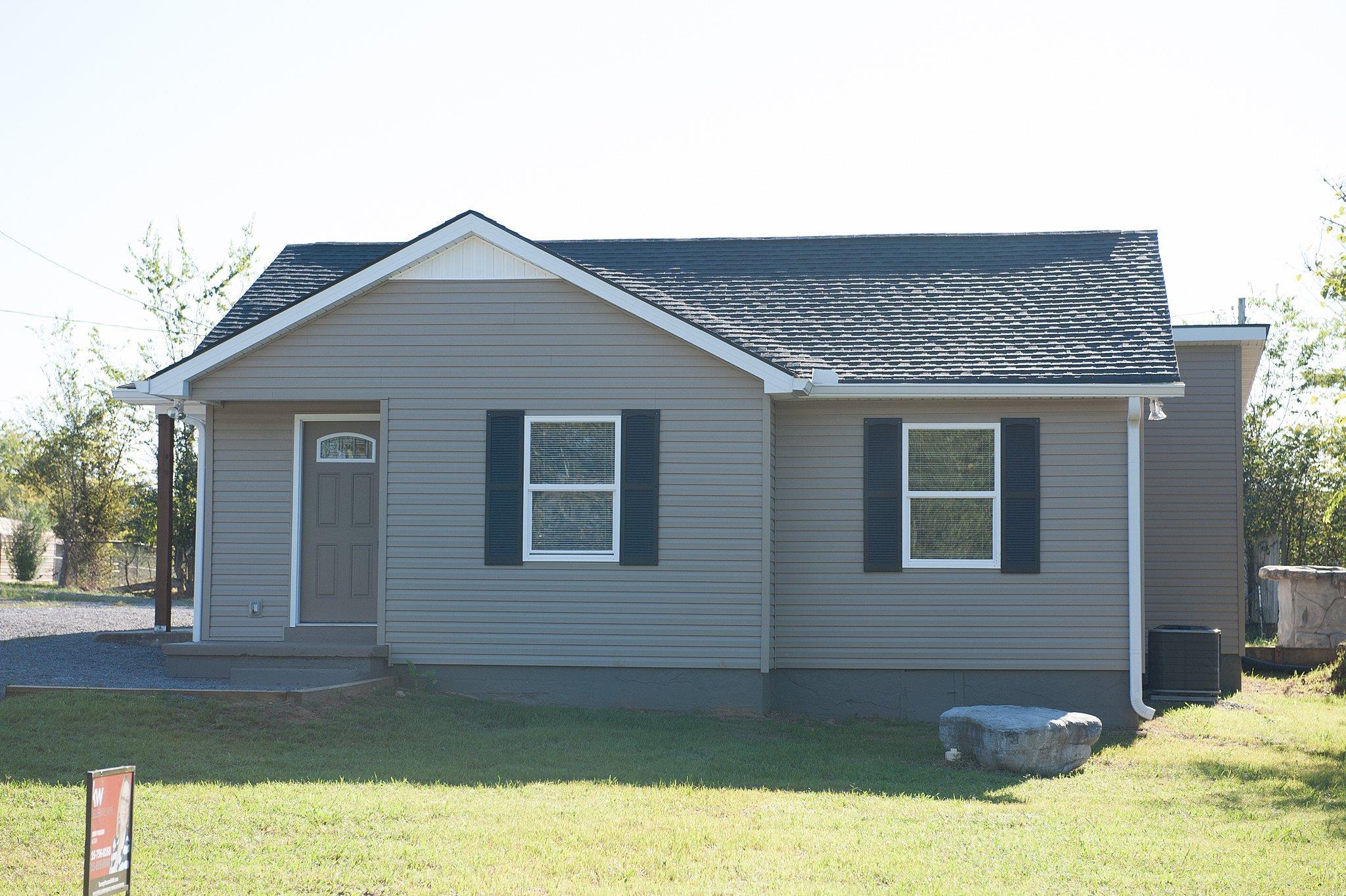 Photo of 105 Maple St  Shelbyville  TN