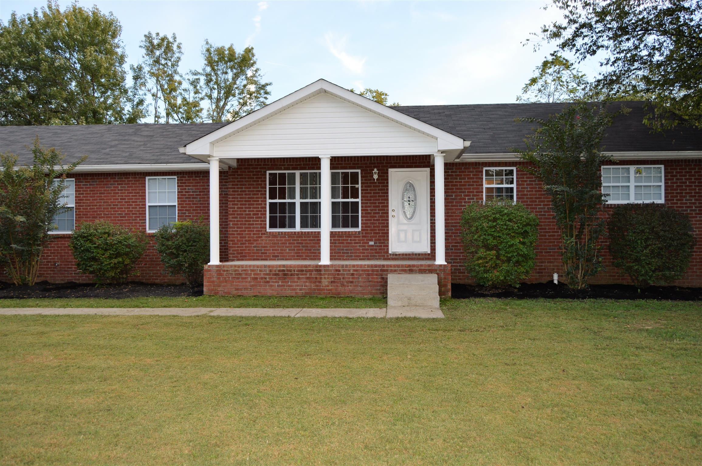 Photo of 958 Clearview Rd  Cottontown  TN