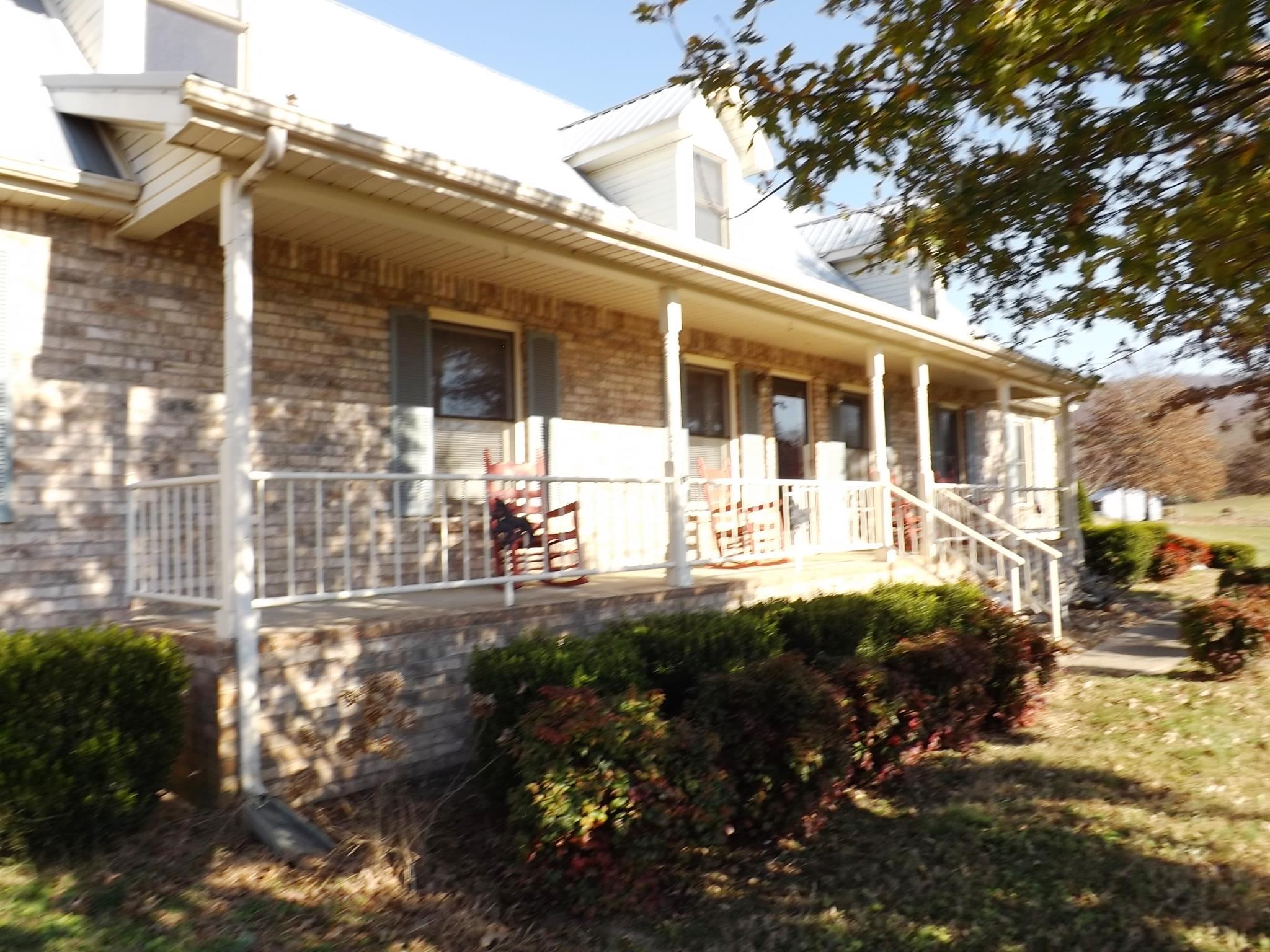 1377 Chestnut Grove Rd Morrison, TN 37357