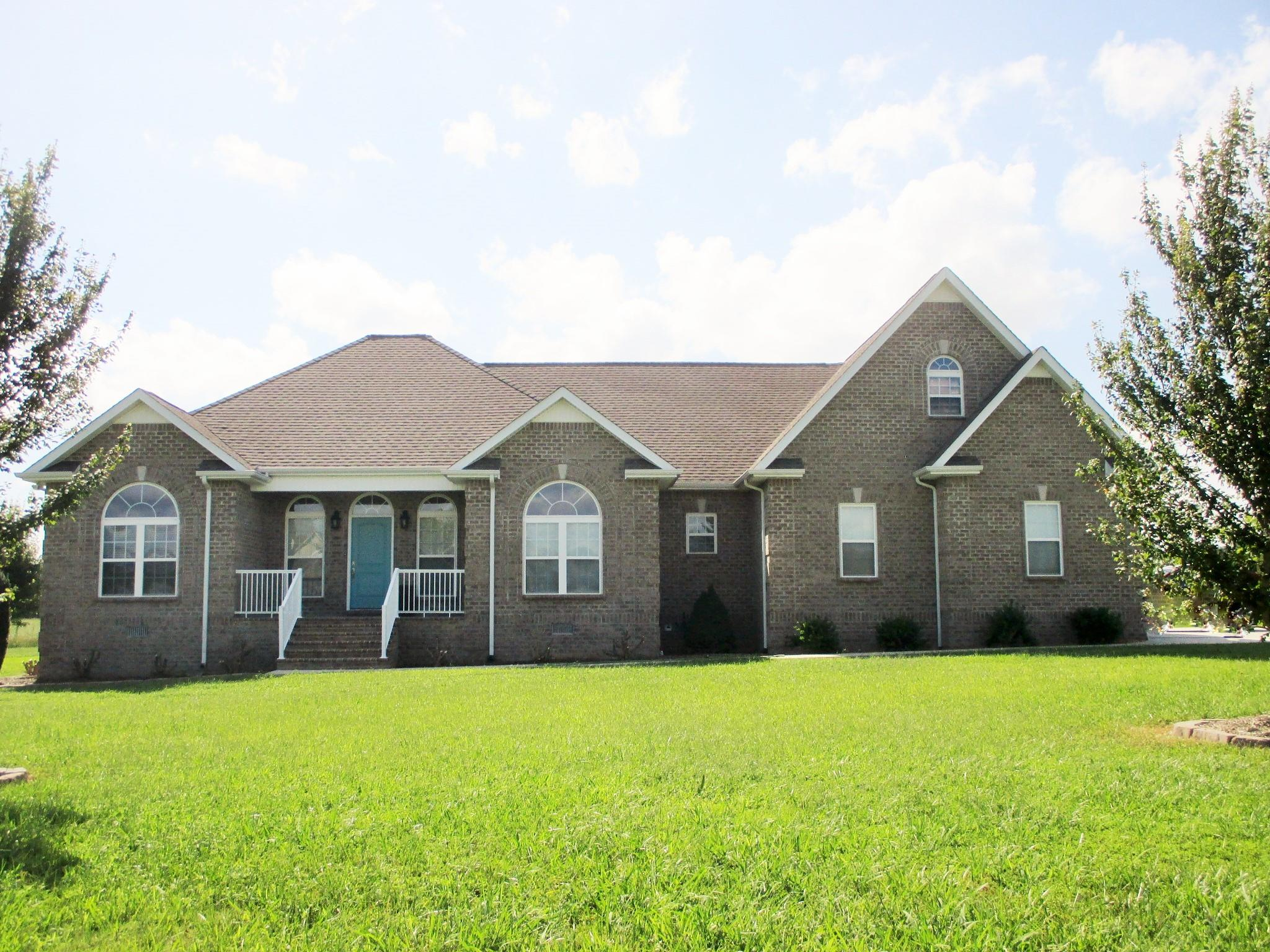 192 Hills Dr Hillsboro, TN 37342