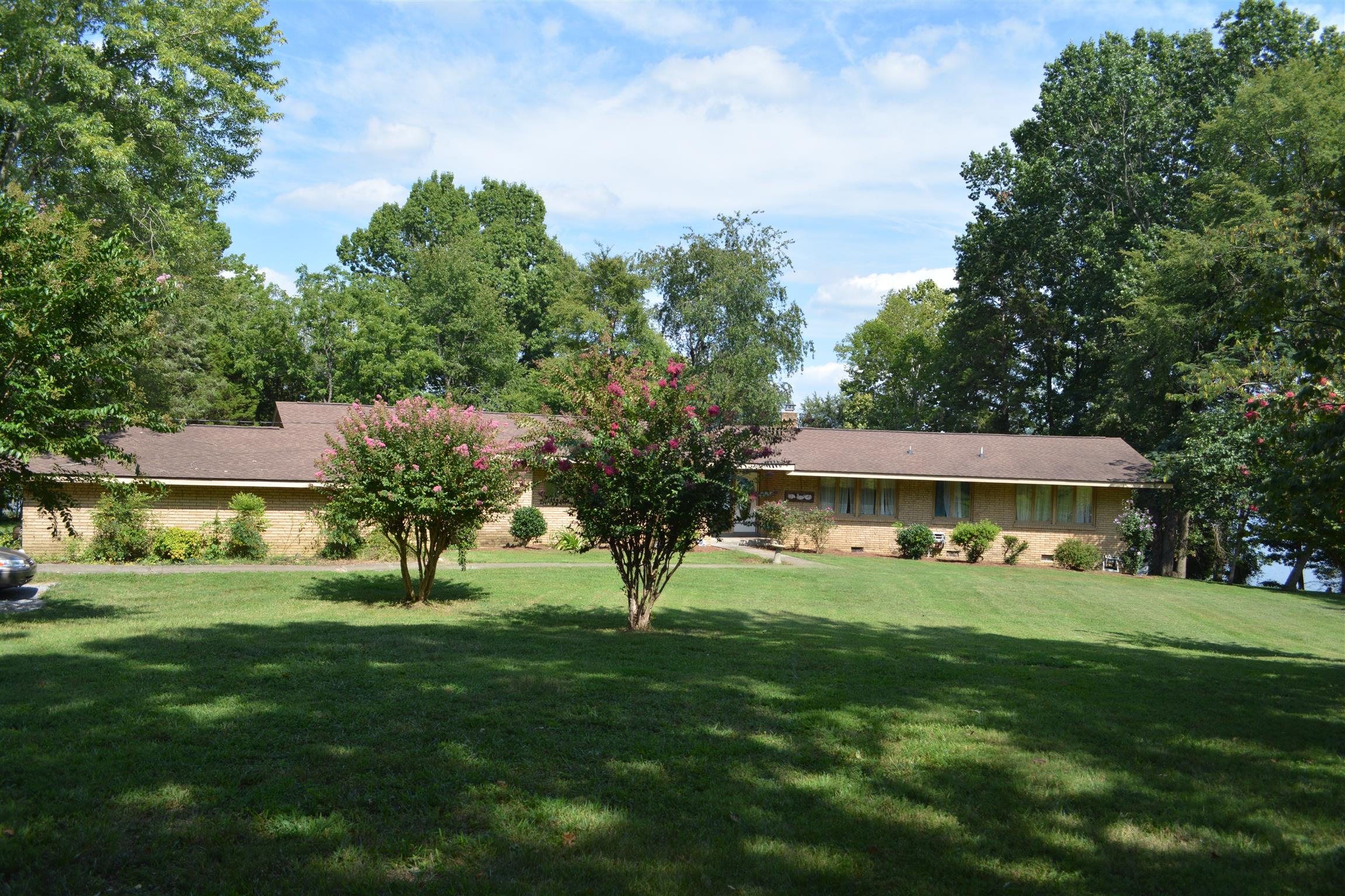 240 Lake Valley Rd Hendersonville, TN 37075