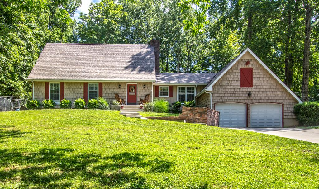 New Listings property for sale at 312 Lee Rd, Dickson Tennessee 37055
